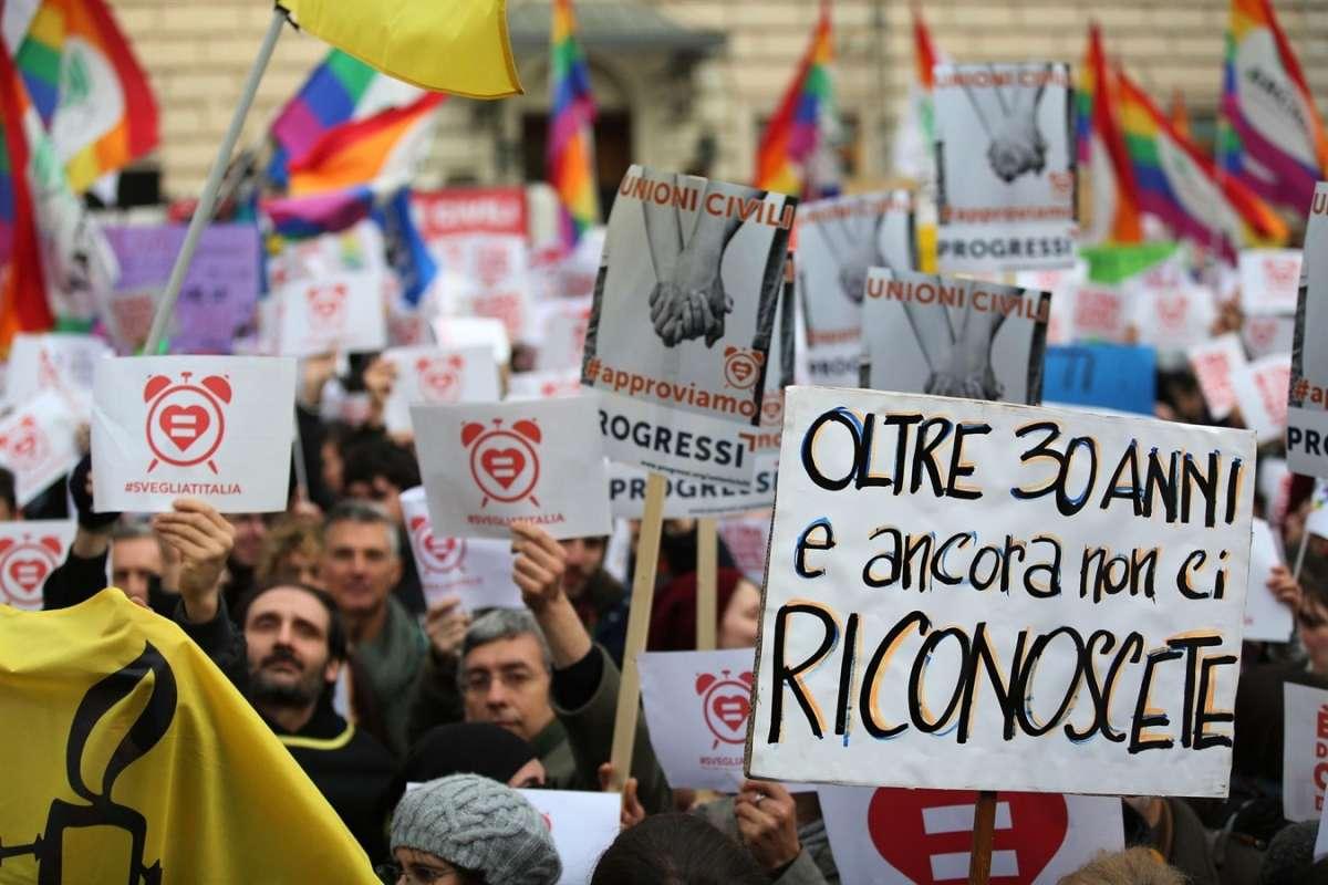 Unioni civili gay a rischio, il PD chiede un nuovo rinvio