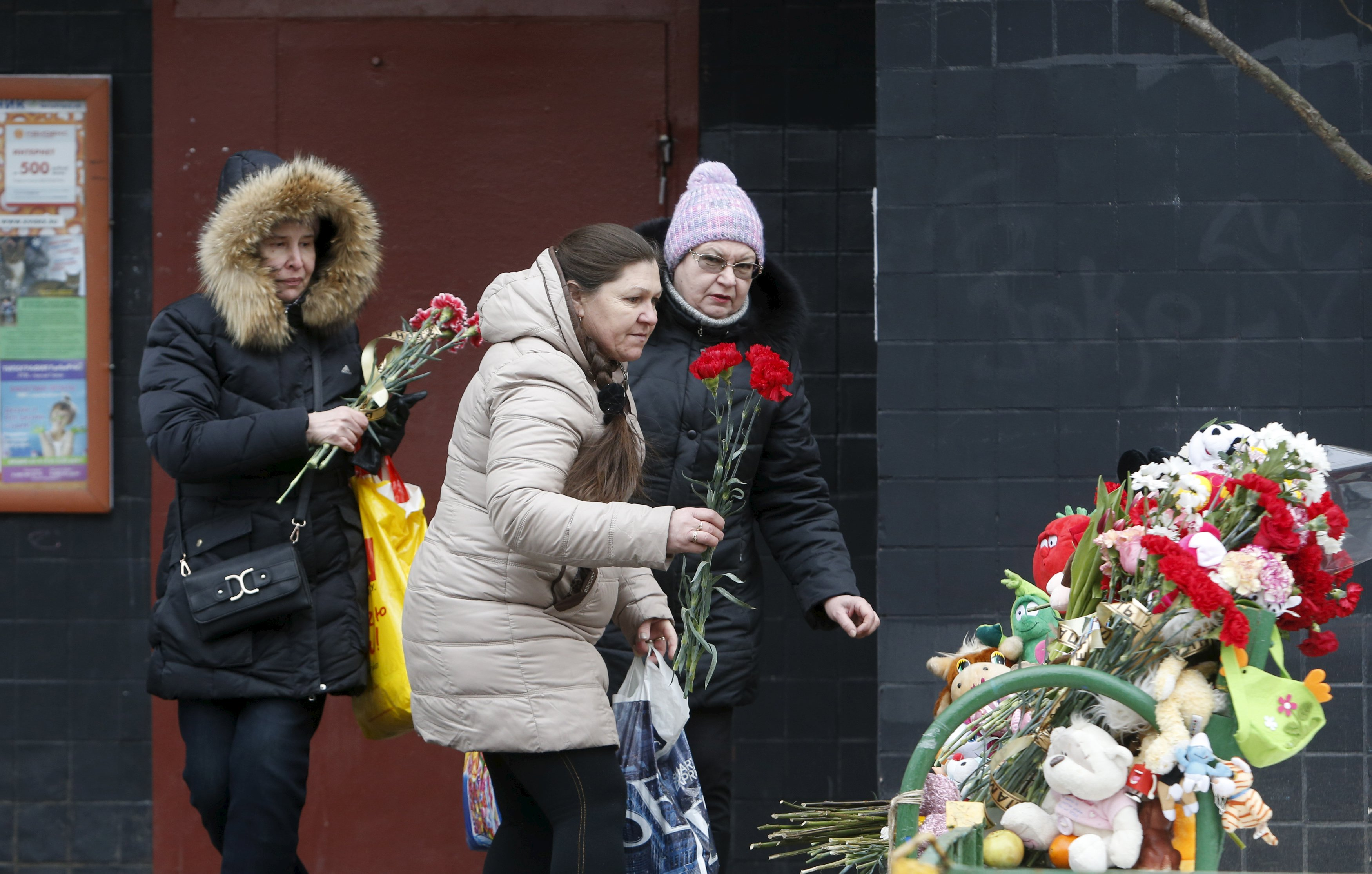 Mosca, fiori e messaggi per il bambino decapitato
