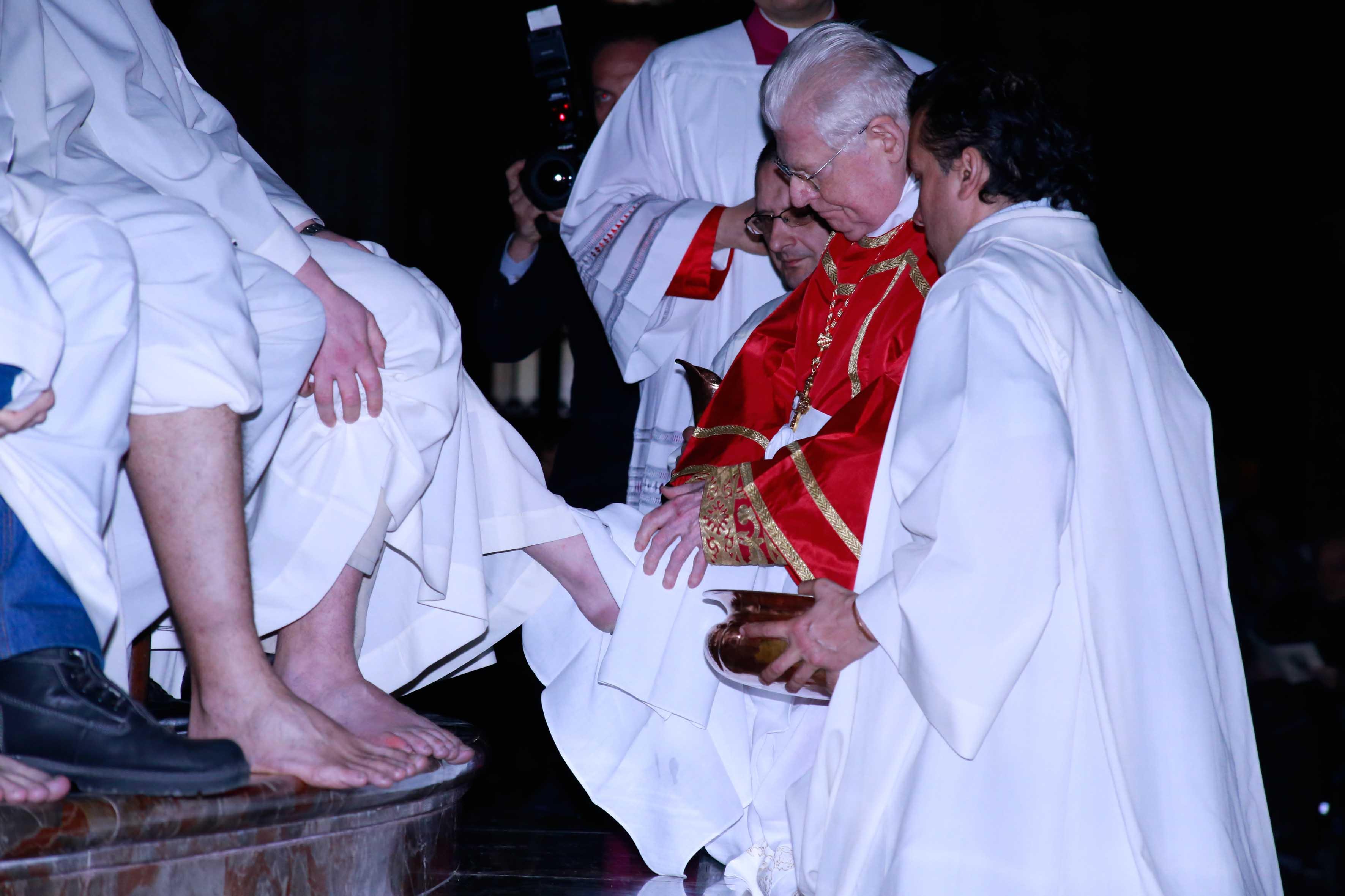 Milano, la lavanda dei piedi alle donne al Duomo: un'apertura attesa da decenni