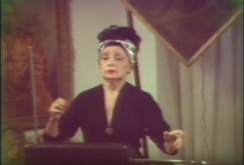 Clara Rockmore e il theremin, chi era e come si suonava il primo strumento elettronico