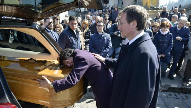 funerali studentesse morte in spagna