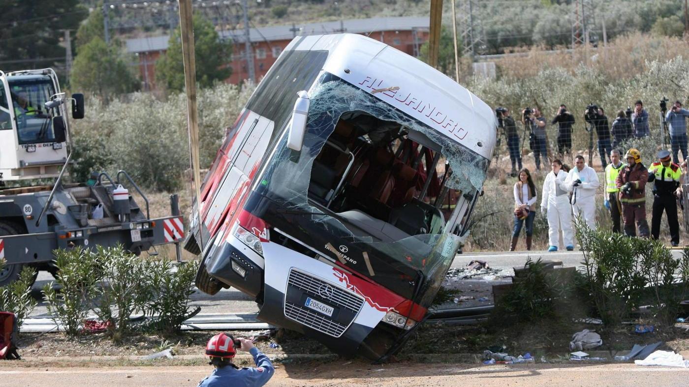 Incidente del bus in Spagna: 14 studentesse Erasmus morte di cui 7 italiane [FOTO]