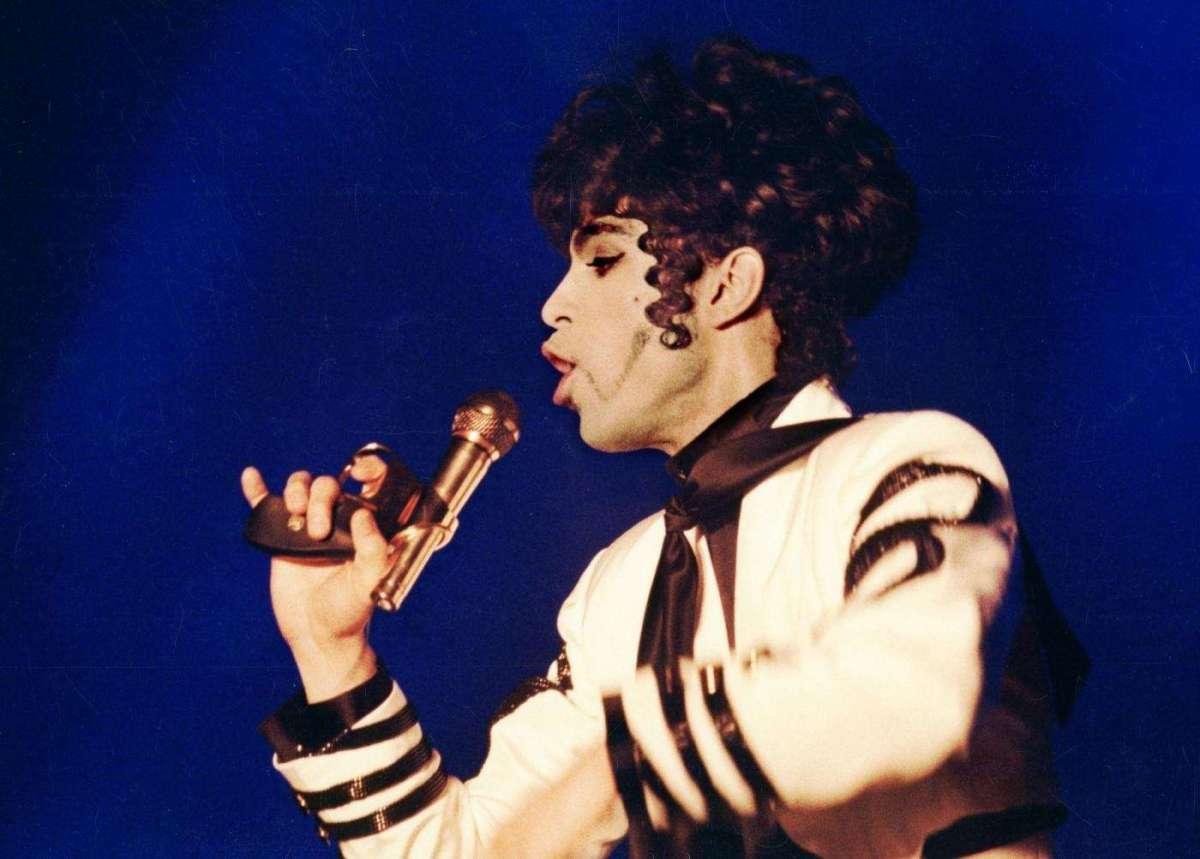 Prince è morto: spunta l'ipotesi HIV come causa del decesso [FOTO]