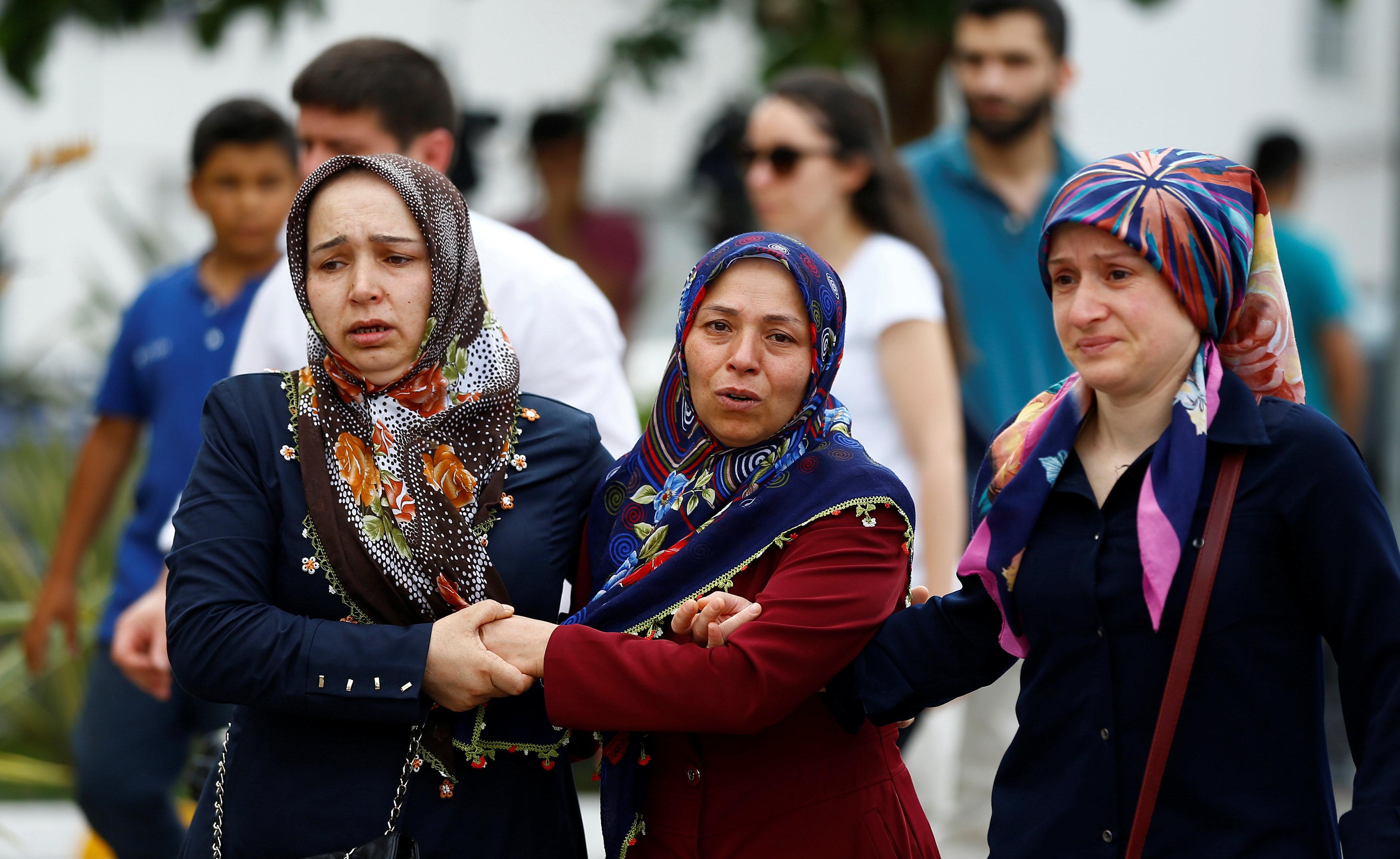 Attentato a Istanbul, le storie delle donne e dei bambini vittime dell'attentato