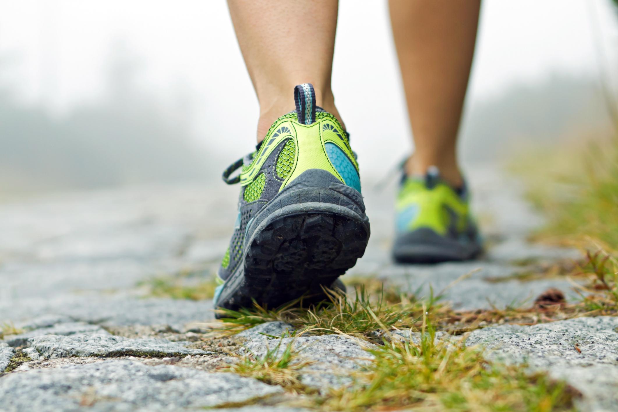 camminare attività fisica