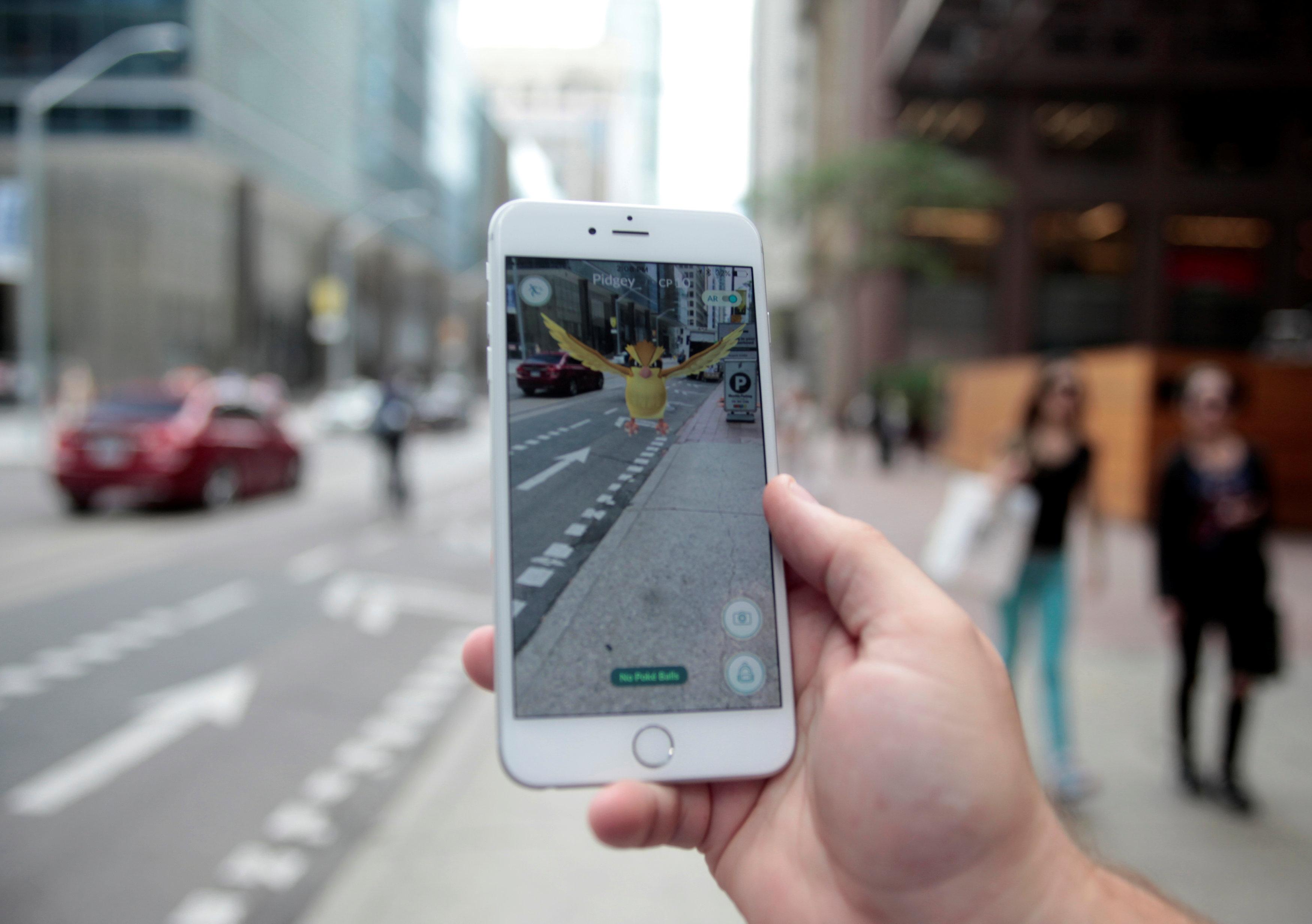 Pokemon Go, la realtà aumentata che fa impazzire tutti