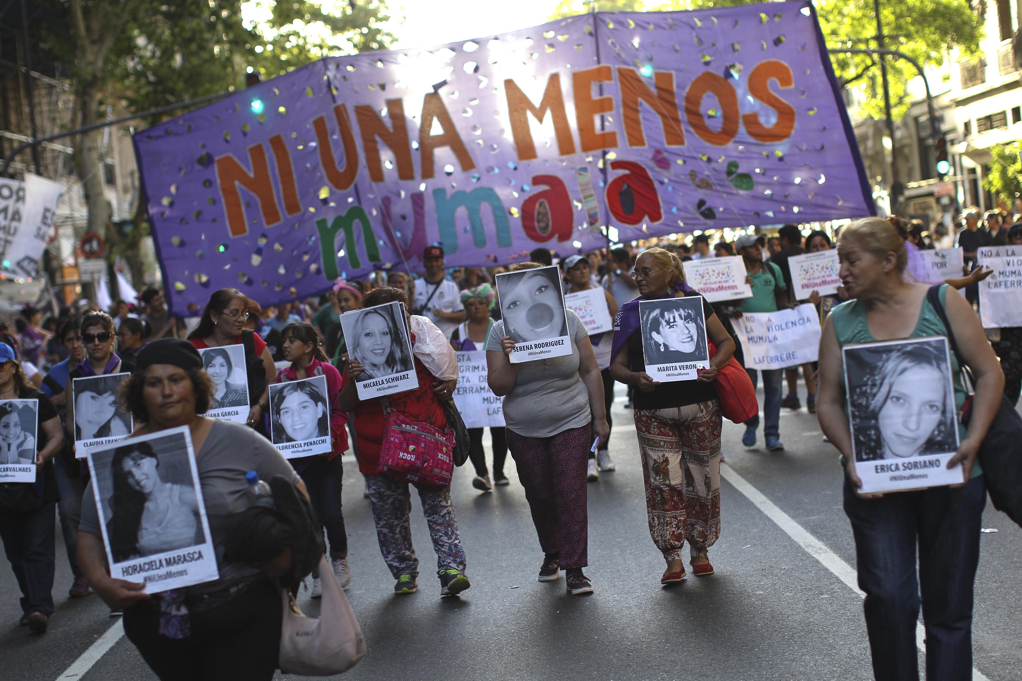 Buenos Aires, manifestazione nella Giornata contro la violenza sulle donne