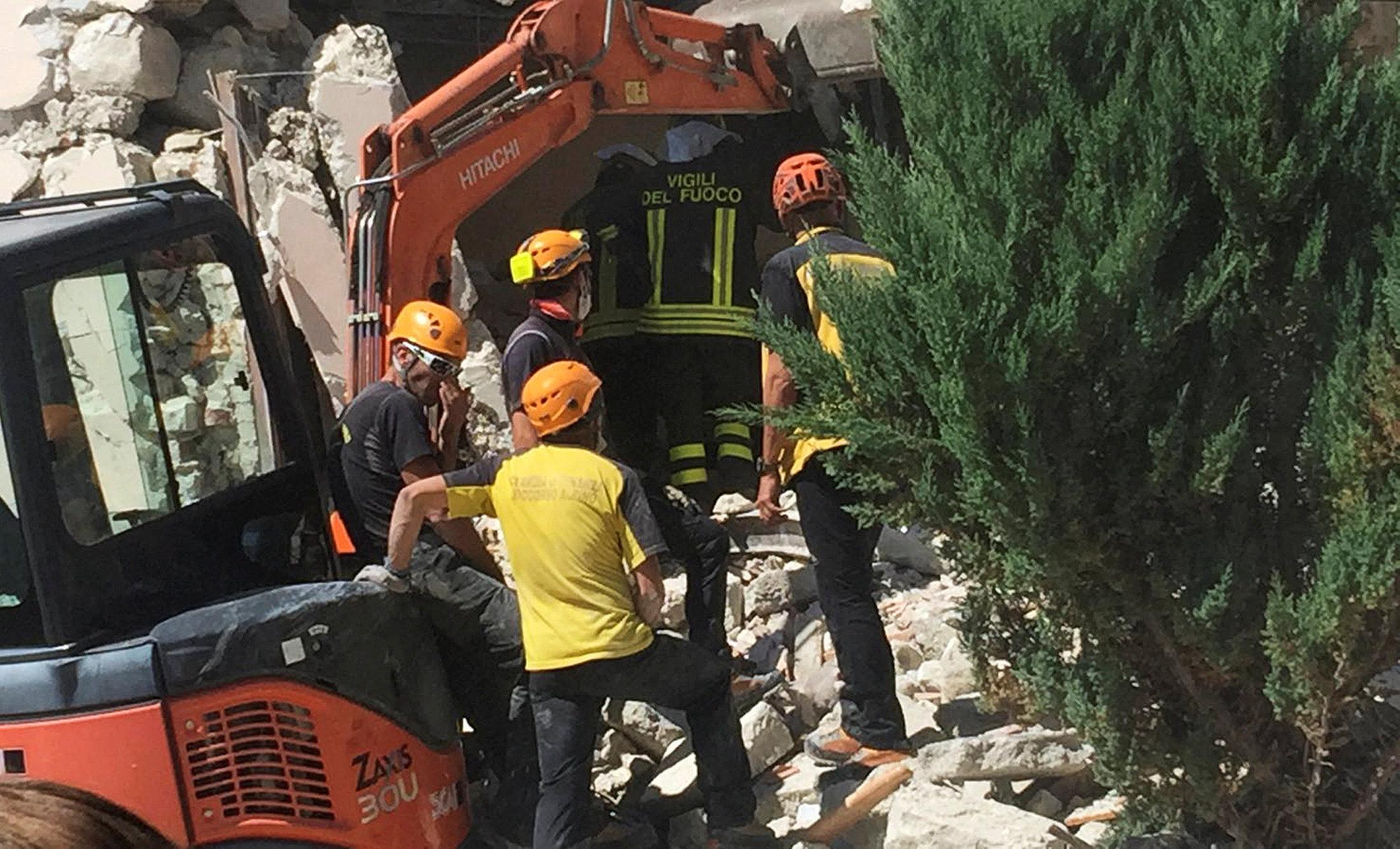 Forte terremoto in centro Italia