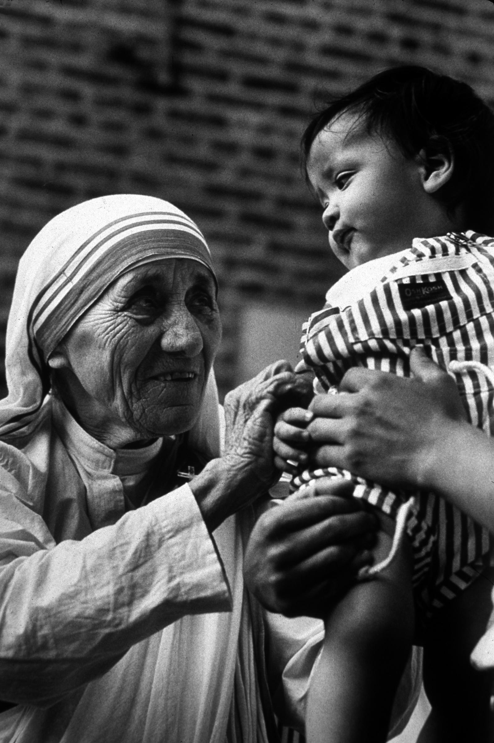madre teresa poveri malati bisognosi