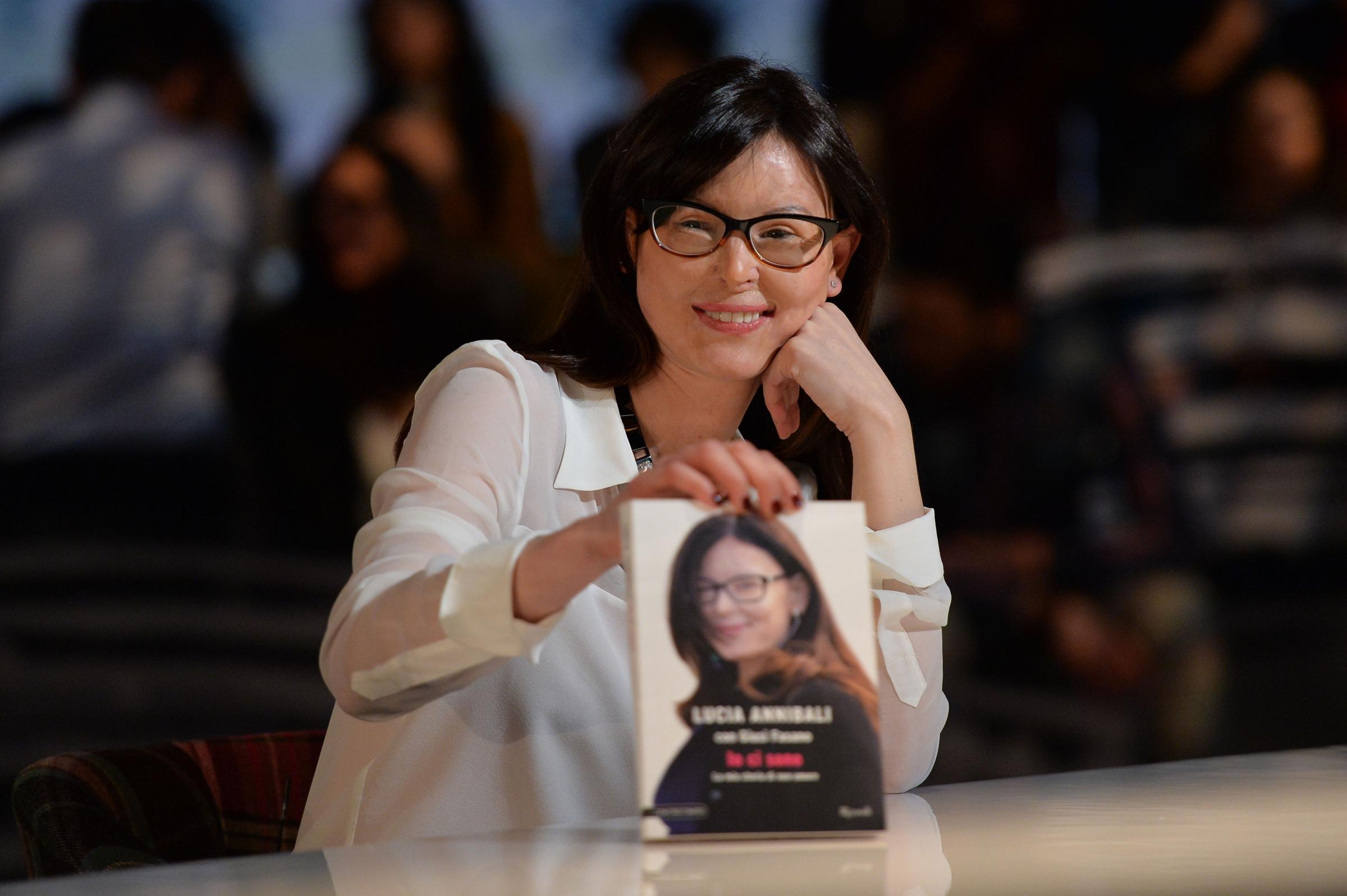 'Io ci sono': la fiction tv su Lucia Annibali con Cristiana Capotondi