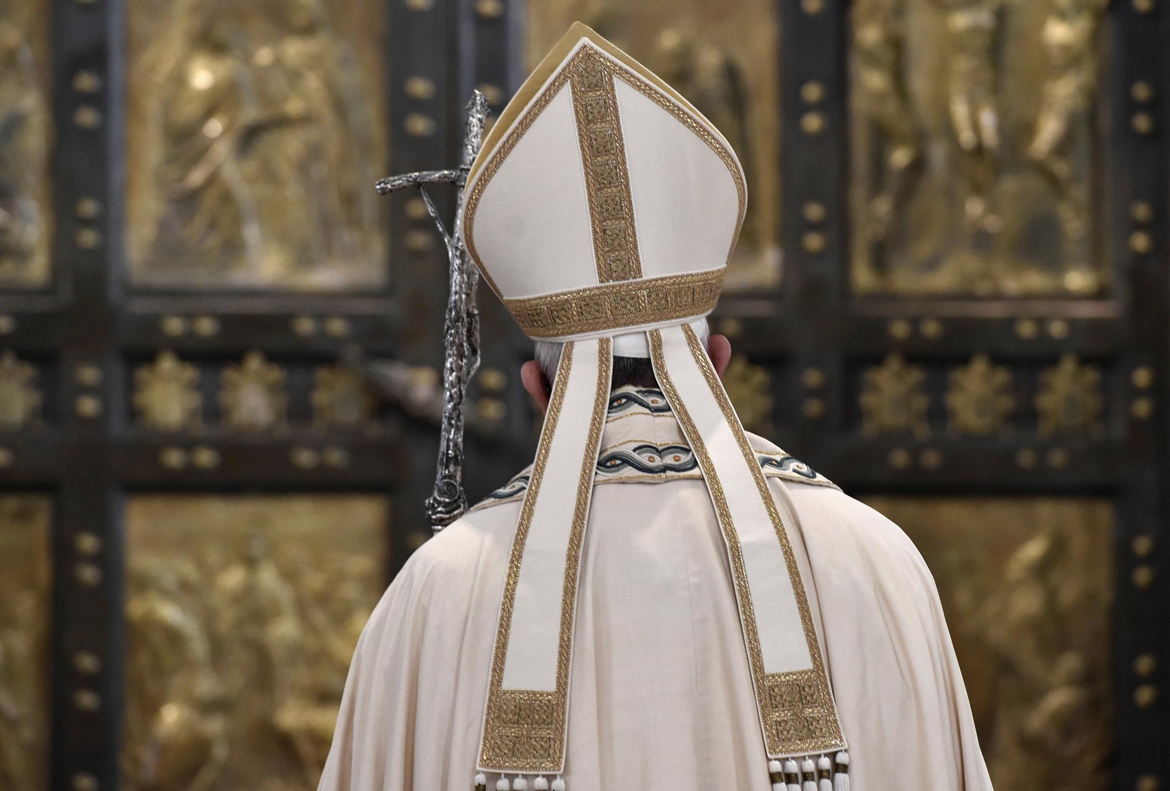 Aborto, la svolta di papa Francesco: i sacerdoti assolvano i responsabili di peccato