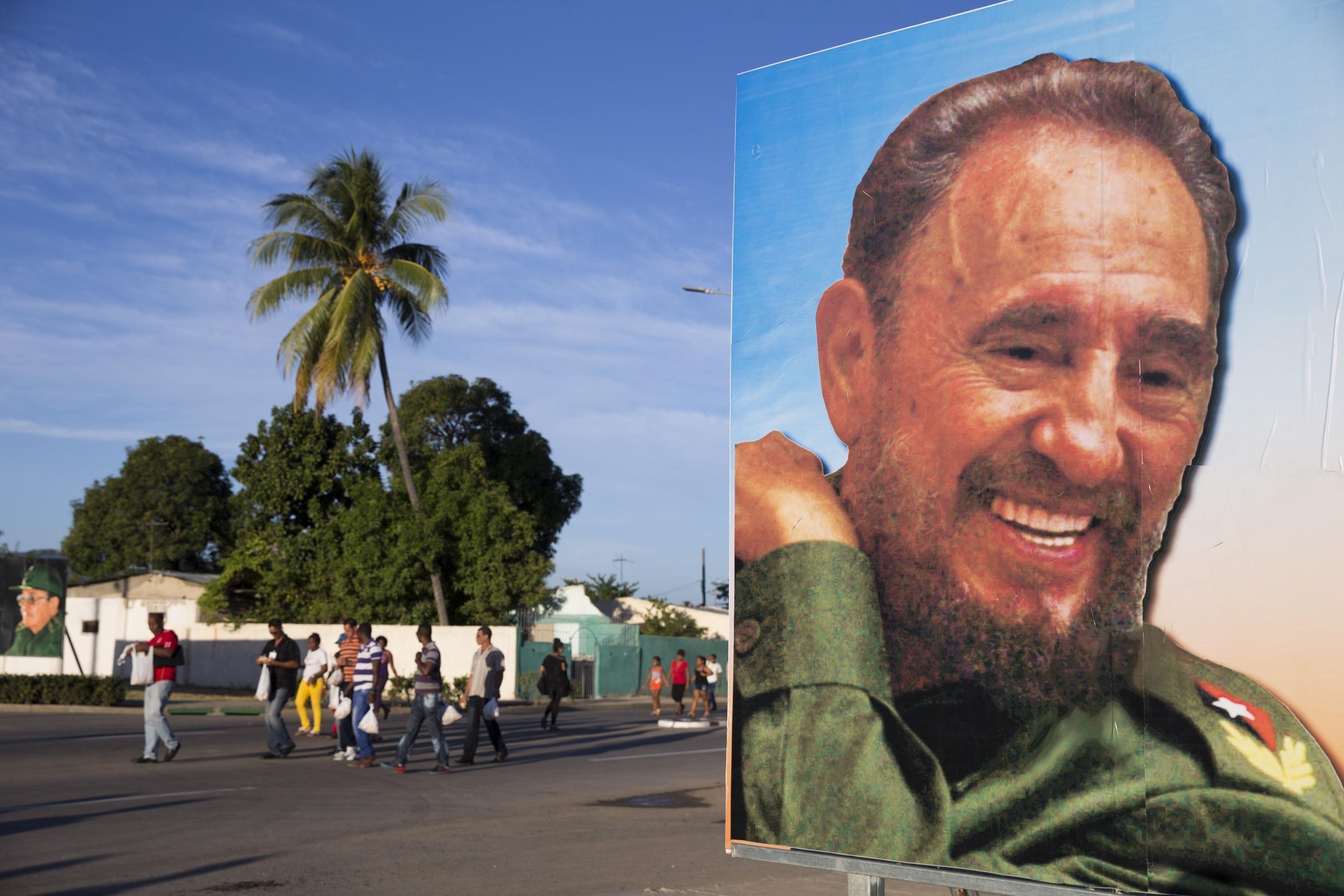 Cuba, le ceneri di Fidel Castro arrivano al cimitero di Santiago
