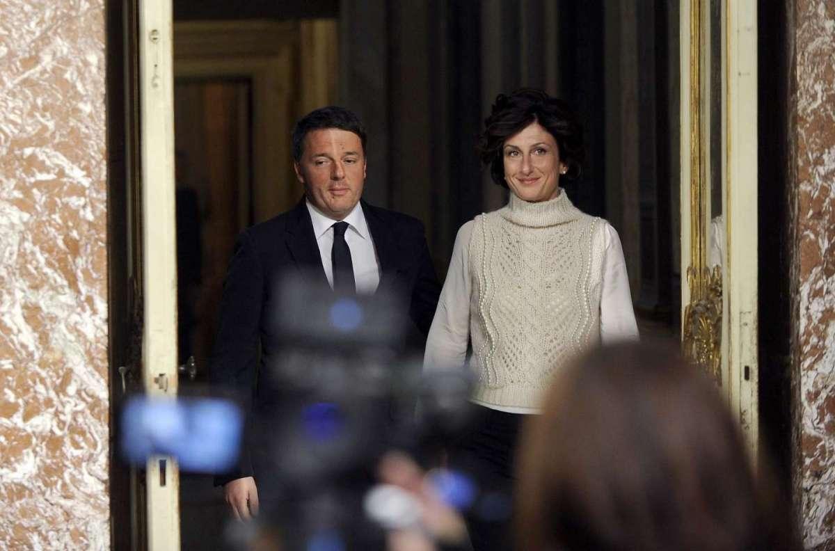 """Discorso di Renzi, il grazie alla moglie Agnese: """"Per aver sopportato mille giorni di fatica"""""""
