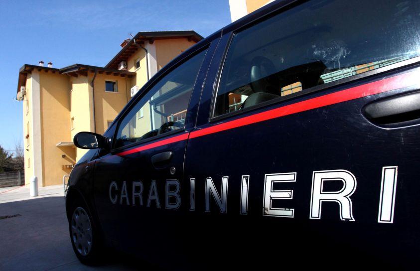 Dipendente in maternità con il neonato in fabbrica a Siena: denunciata la titolare