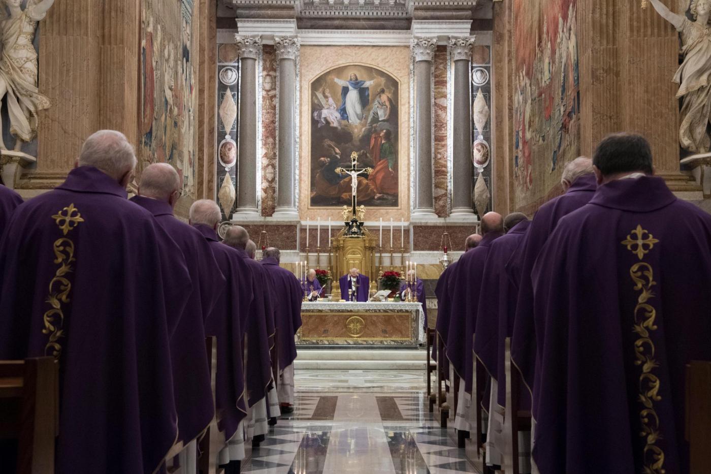 Concelebrazione eucaristica con i Cardinali che si è tenuta presso la Cappella Paolina