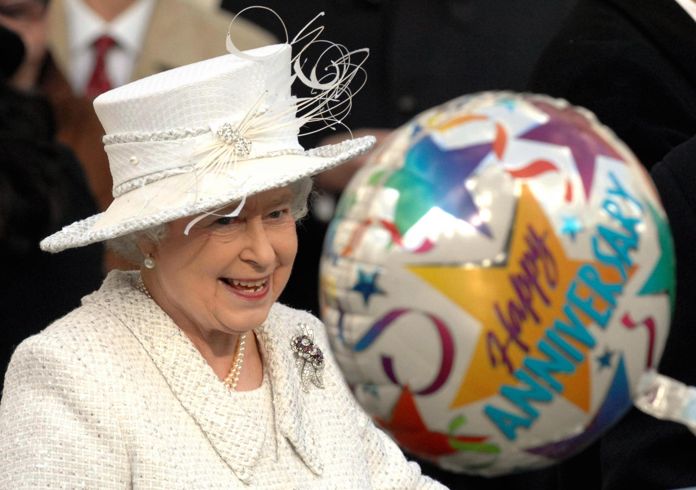 Regno Unito, 69mo anniversario di matrimonio per la Regina Elisabetta