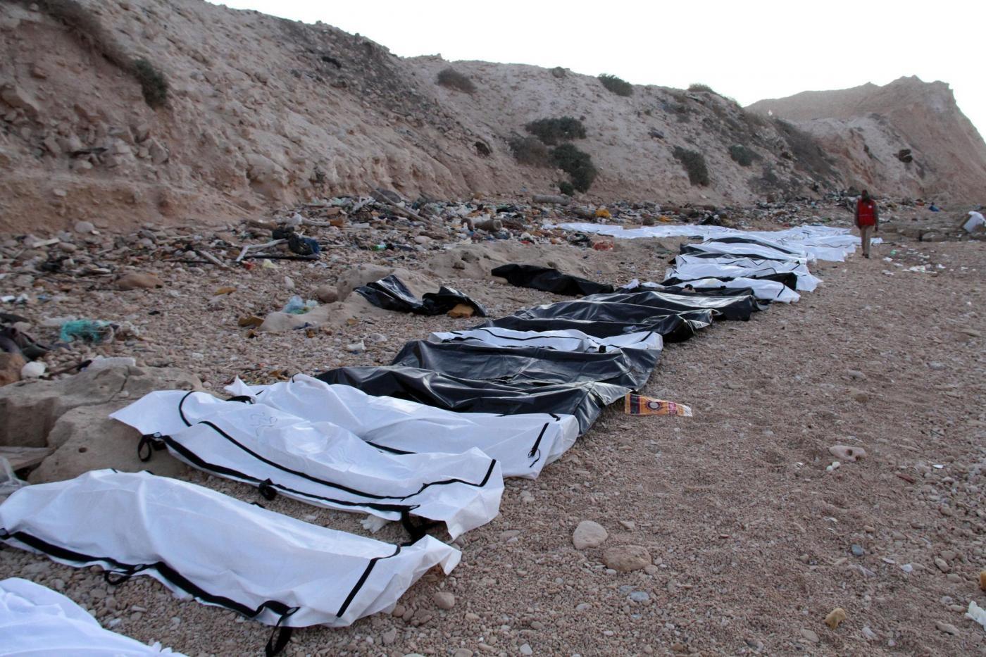 Libia, migranti morti sulla spiaggia di Zawiya