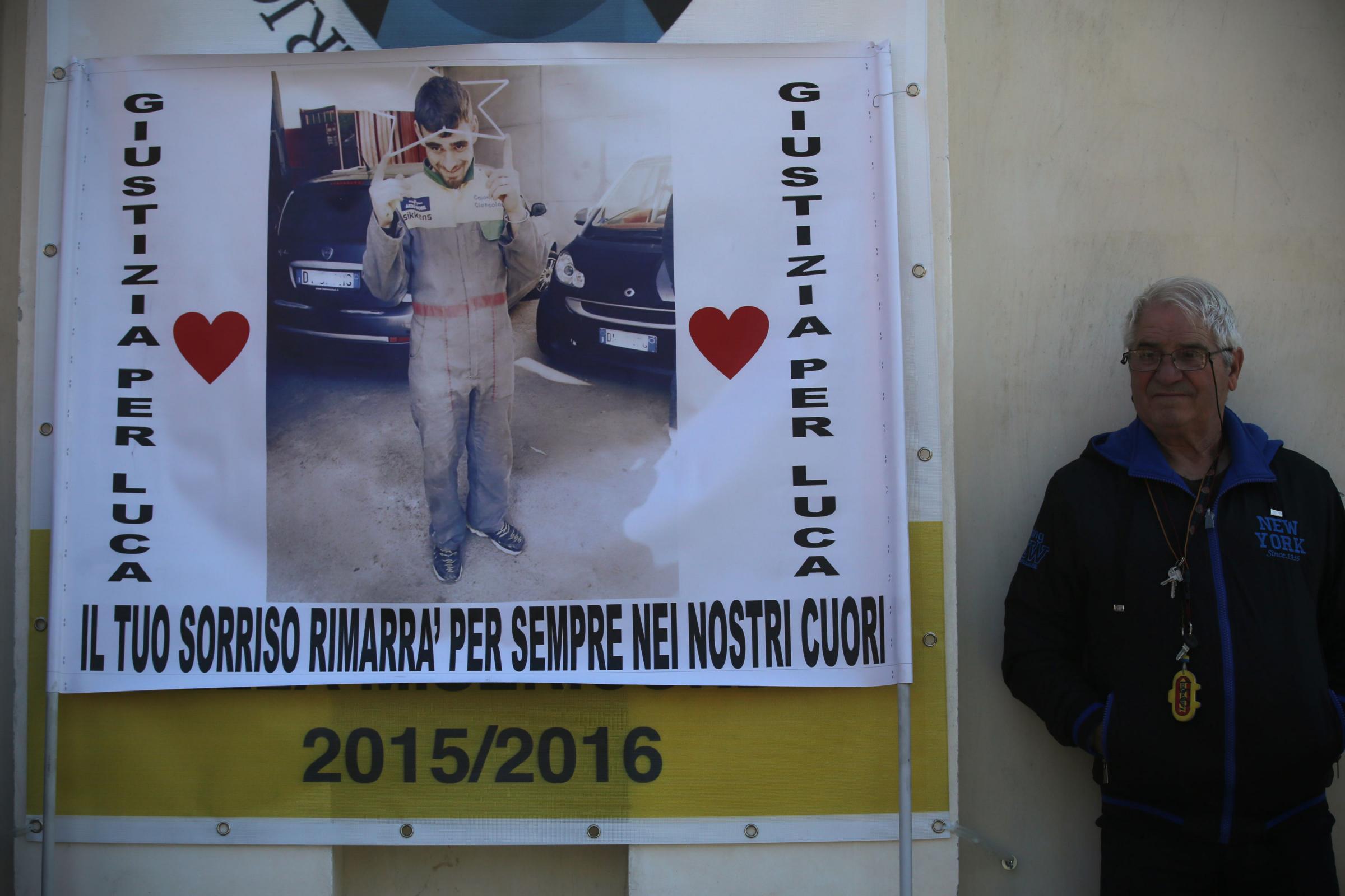 """Omicidio Luca Varani: 30 anni a Manuel Foffo con rito abbreviato. Per il padre """"giustizia a metà"""""""