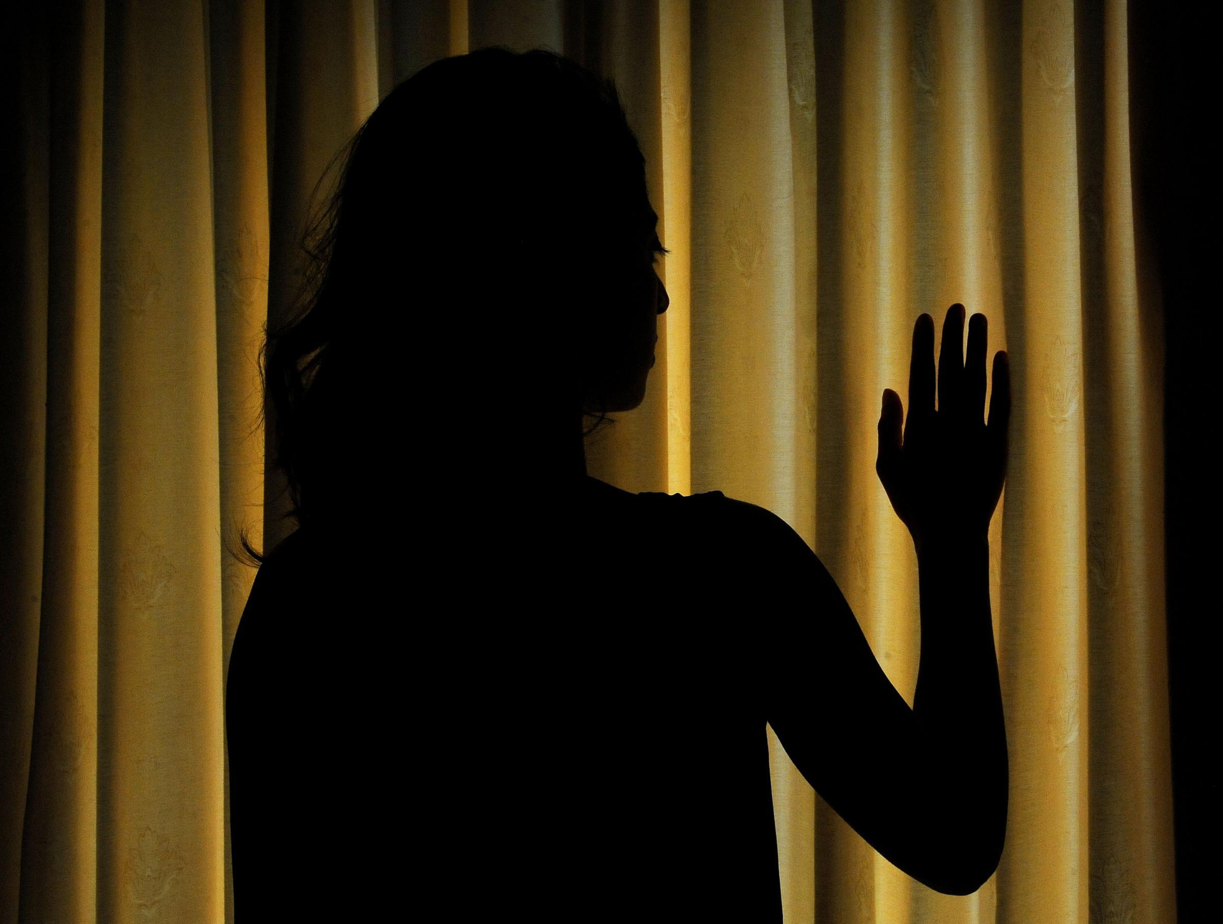 Stupra la figlia perché lesbica: padre condannato a 21 anni