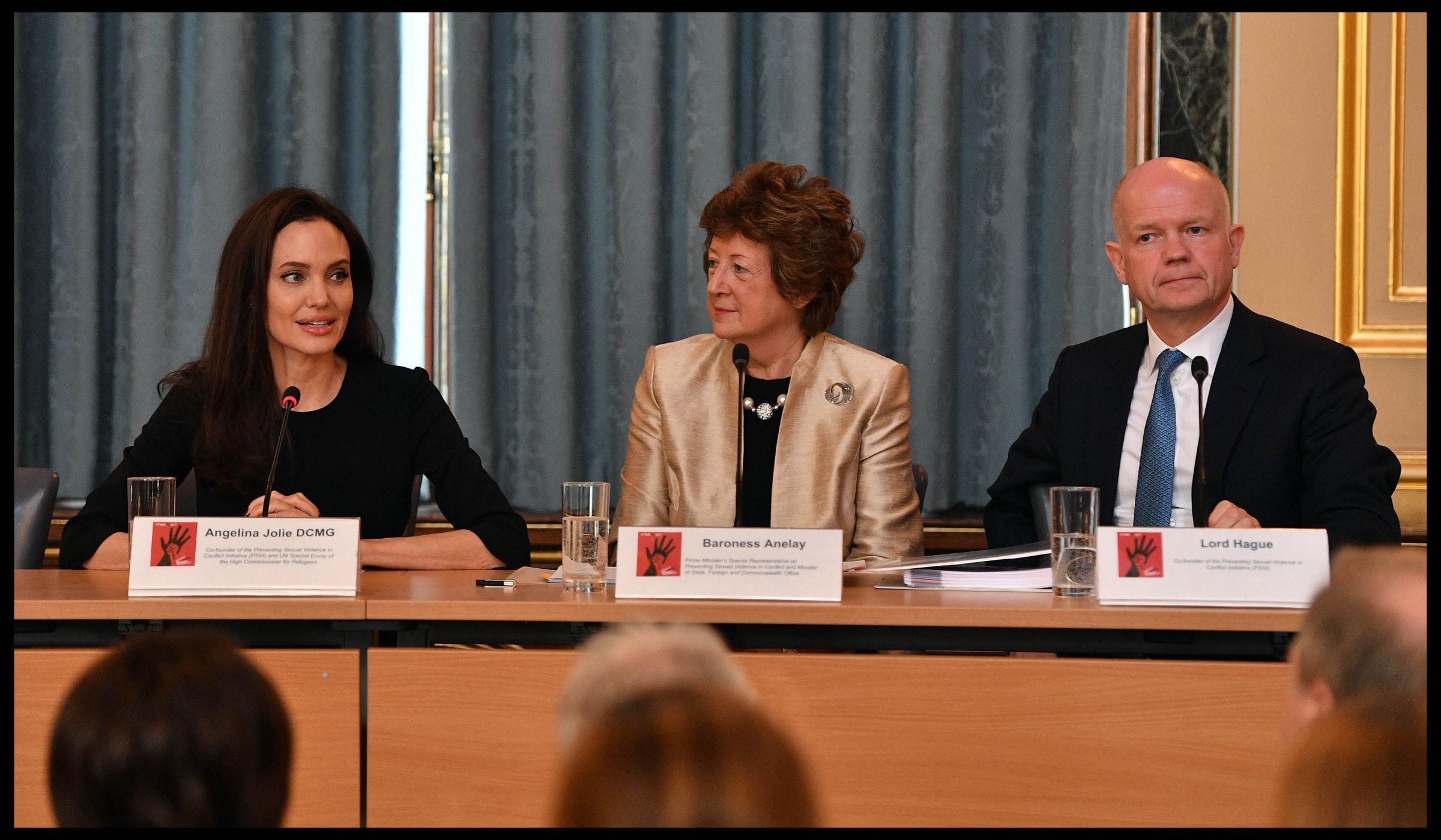 Angelina Jolie a Londra per i diritti delle donne