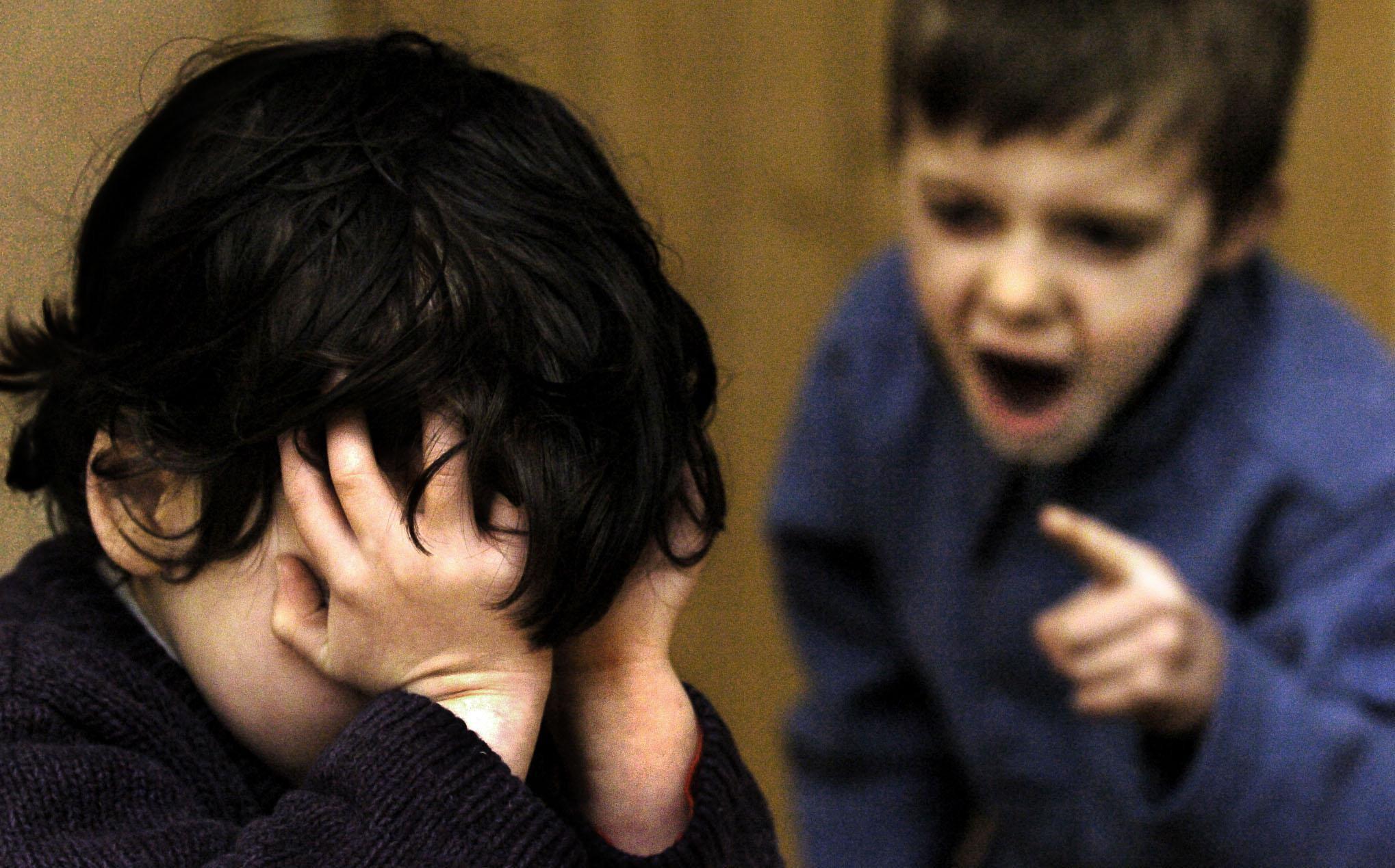 Come capire se mio figlio è un bullo: la guida per i genitori da Telefono Azzurro