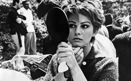 Il Festival di Cannes omaggia Claudia Cardinale: la locandina delle polemiche
