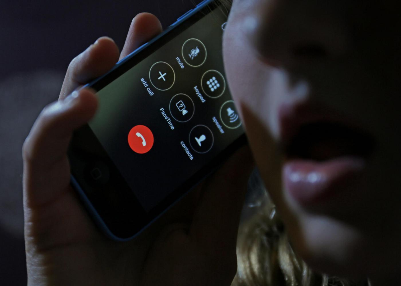 Salva la madre grazie all'iPhone: l'eroe è un bambino di 4 anni
