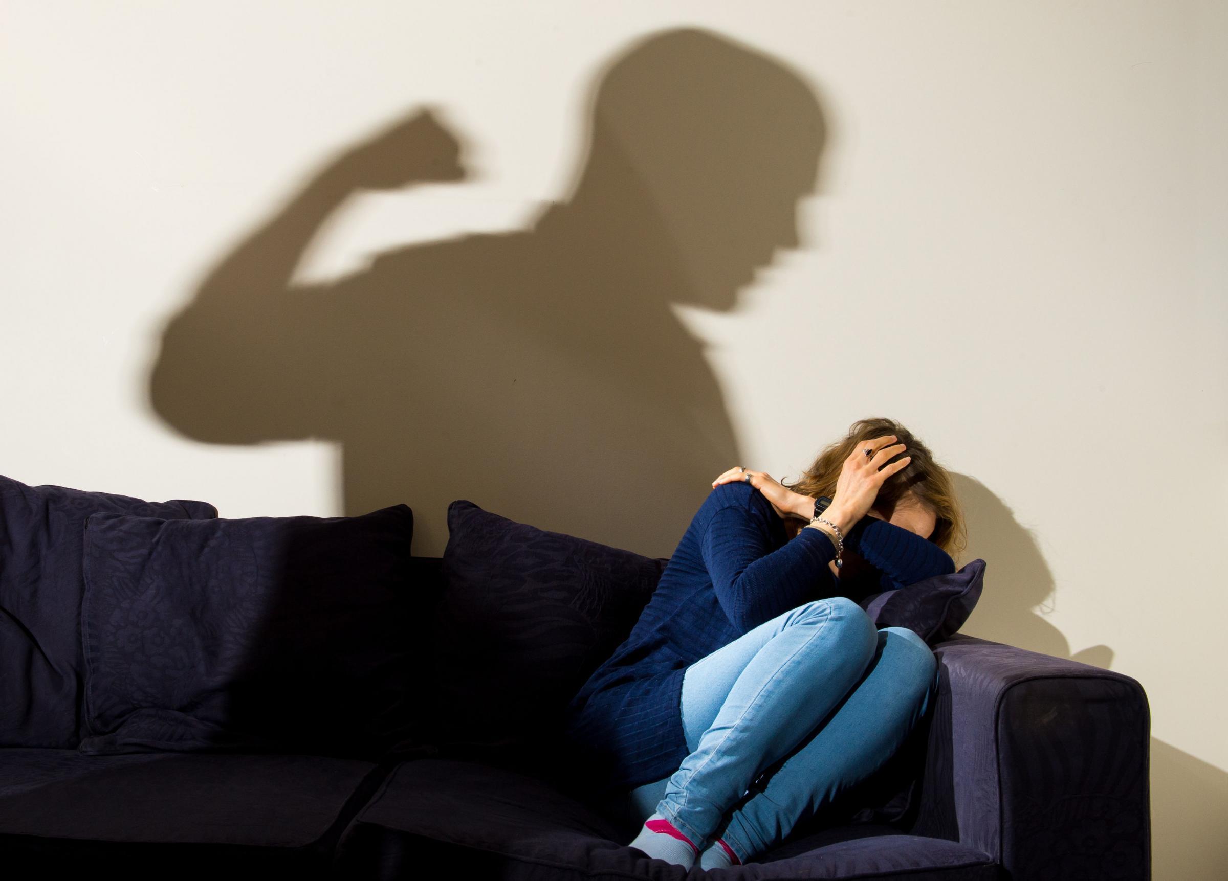 Disabile mentale schiavizzata dal convivente: la costringeva a prostituirsi