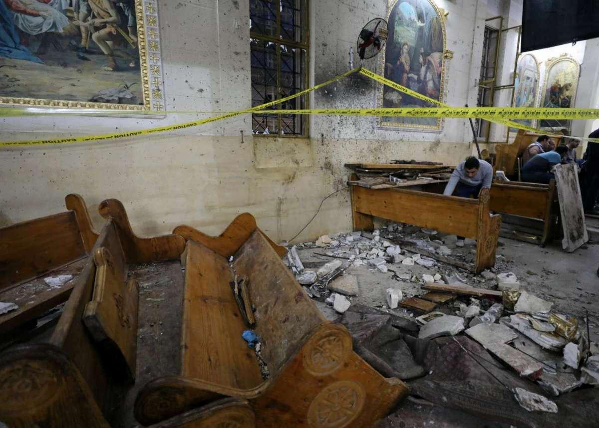 Egitto sotto attacco: duplice attentato in due chiese cristiane. L'Isis rivendica la strage