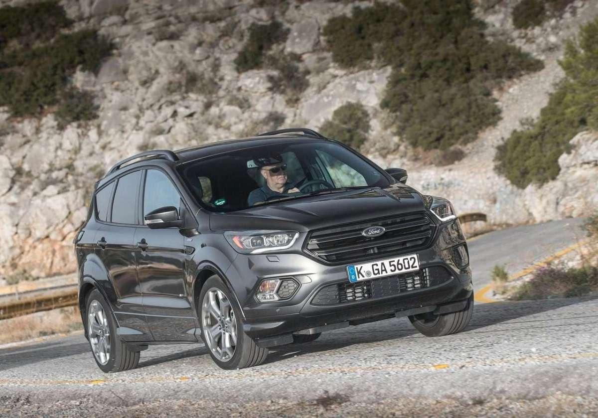 Nuova Ford Kuga a prova di famiglia