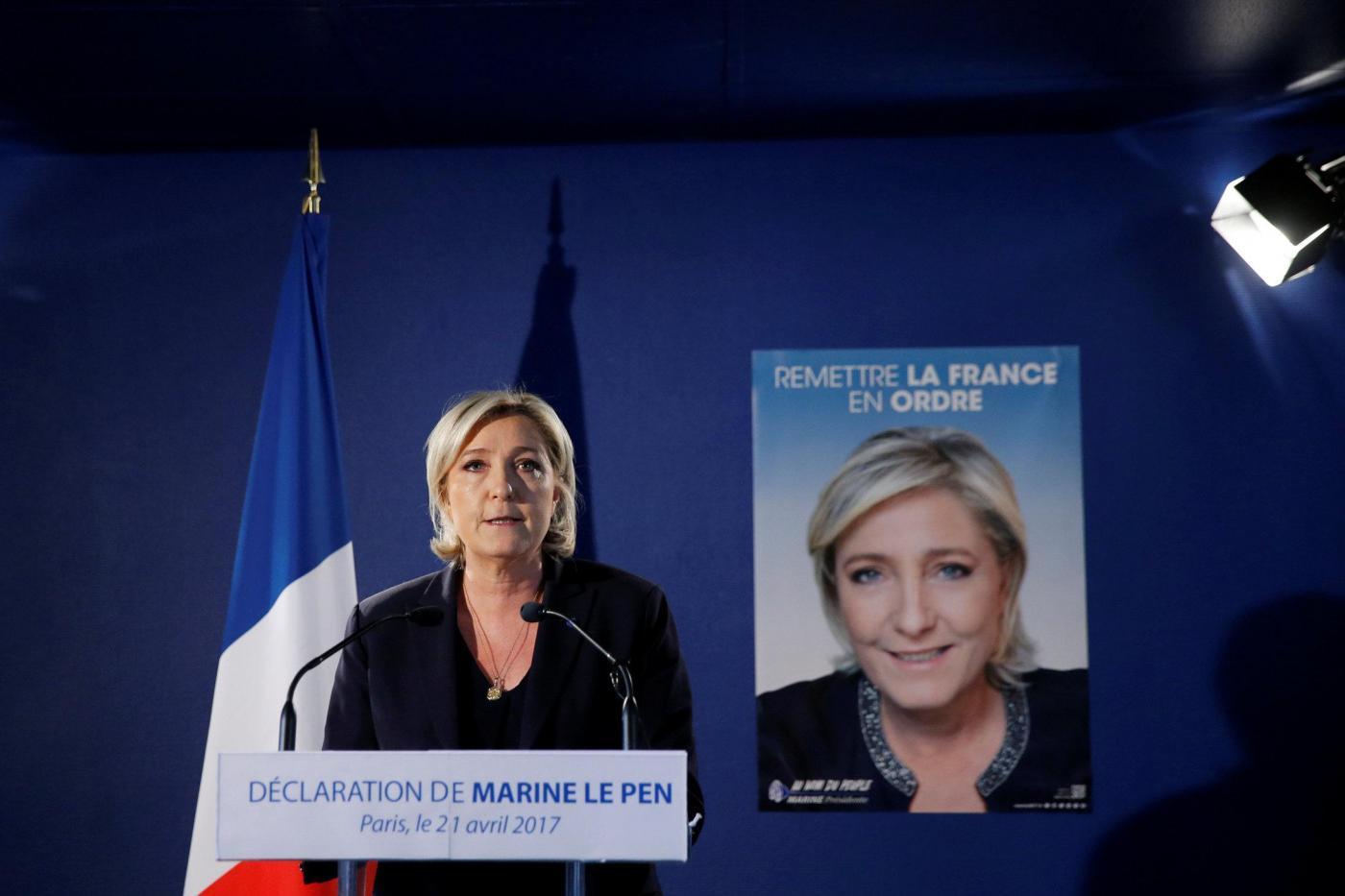 Parigi, la conferenza stampa di Marine Le Pen