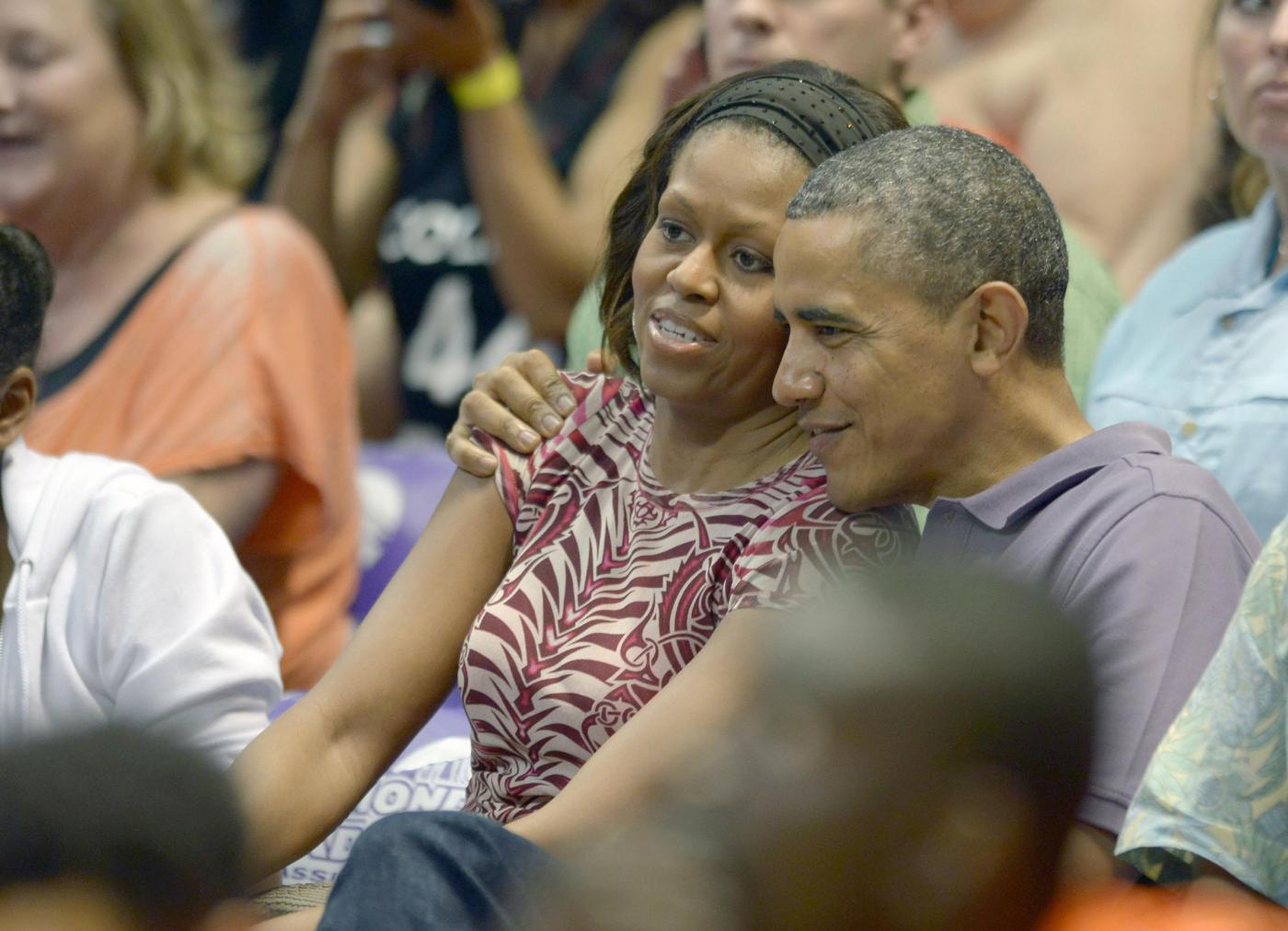 Obama gioca a golf durante la sua vacanza alle Hawai