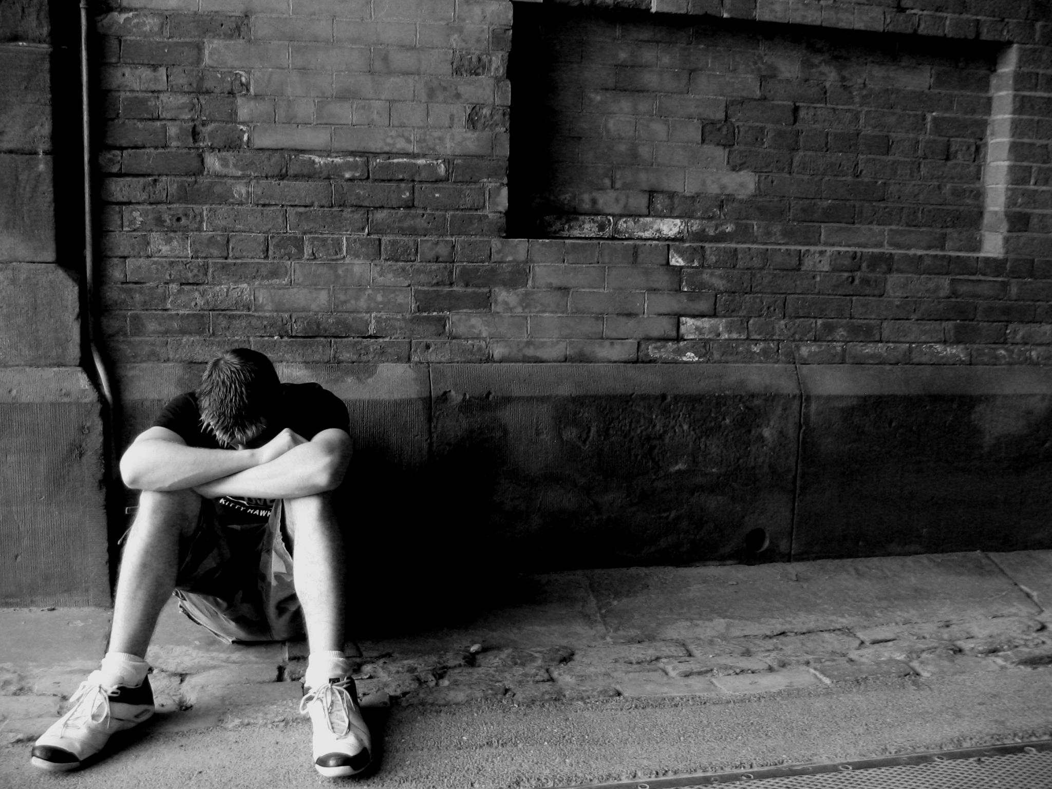 Blue Whale: le regole e le sfide del gioco del suicidio diffuso tra gli adolescenti