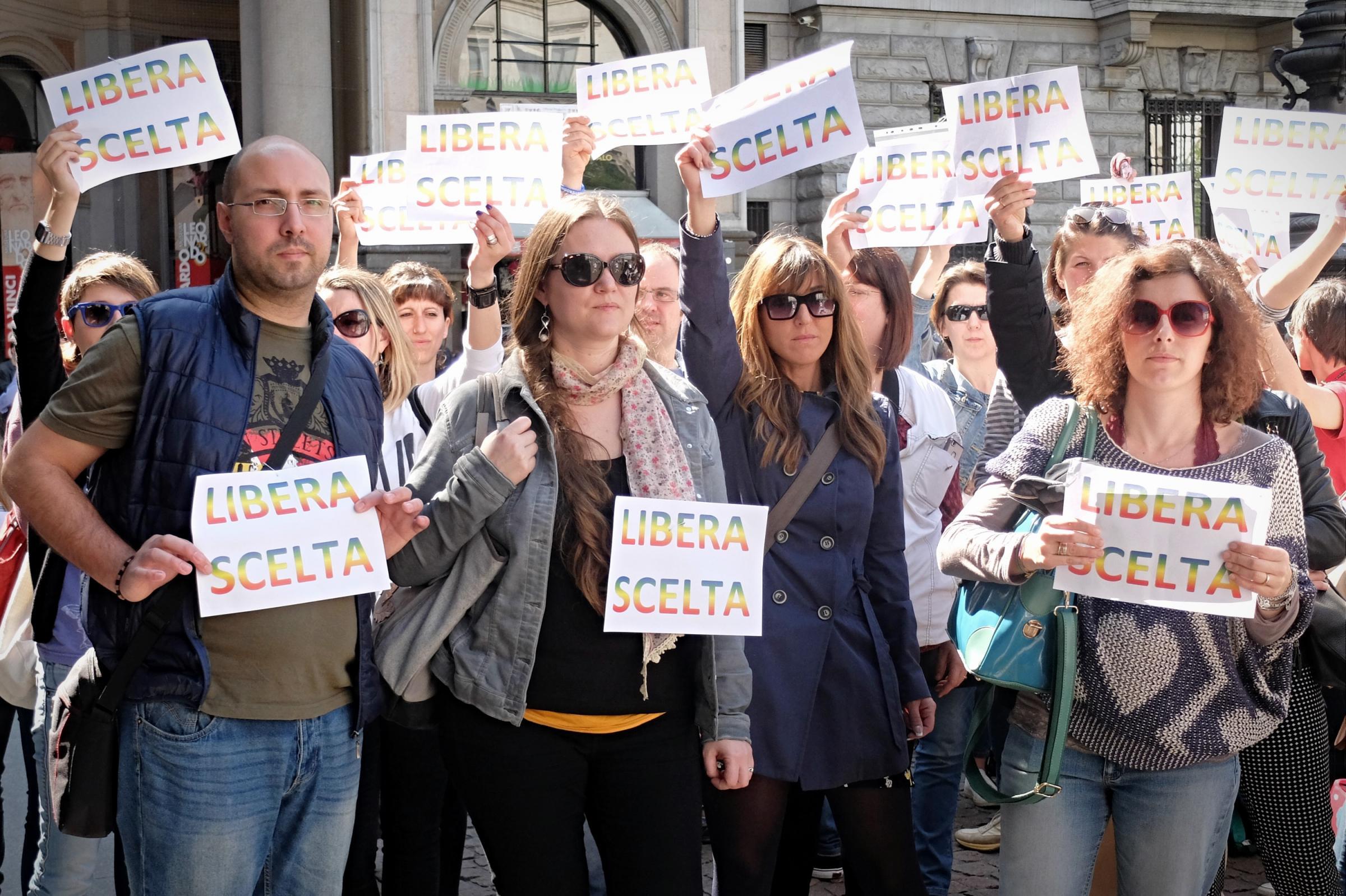 Comitato del No Lombardia genitori contro i vaccini obbligatori a Palazzo Marino