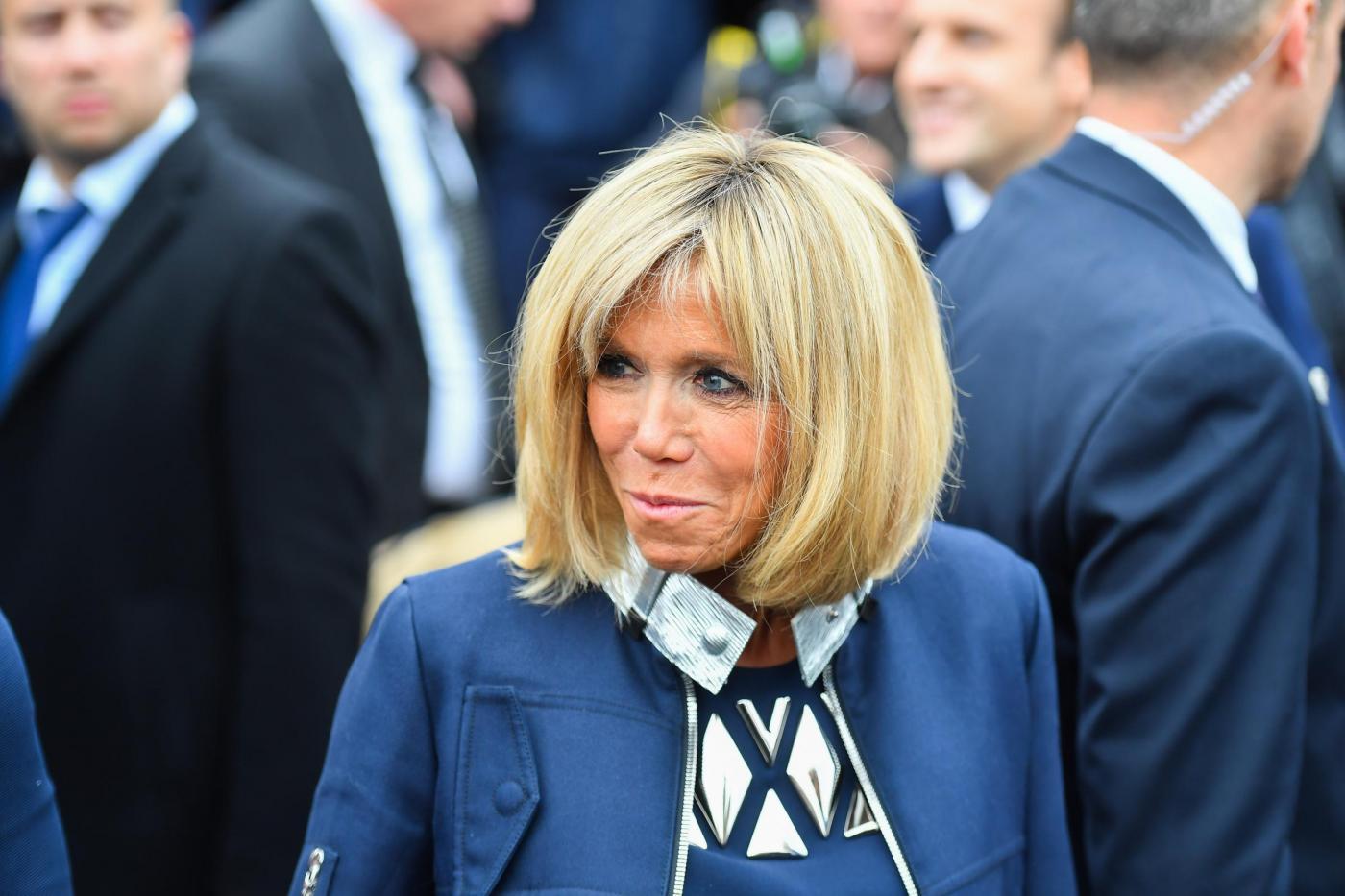 Emmanuel e Brigitte Macron ai seggi