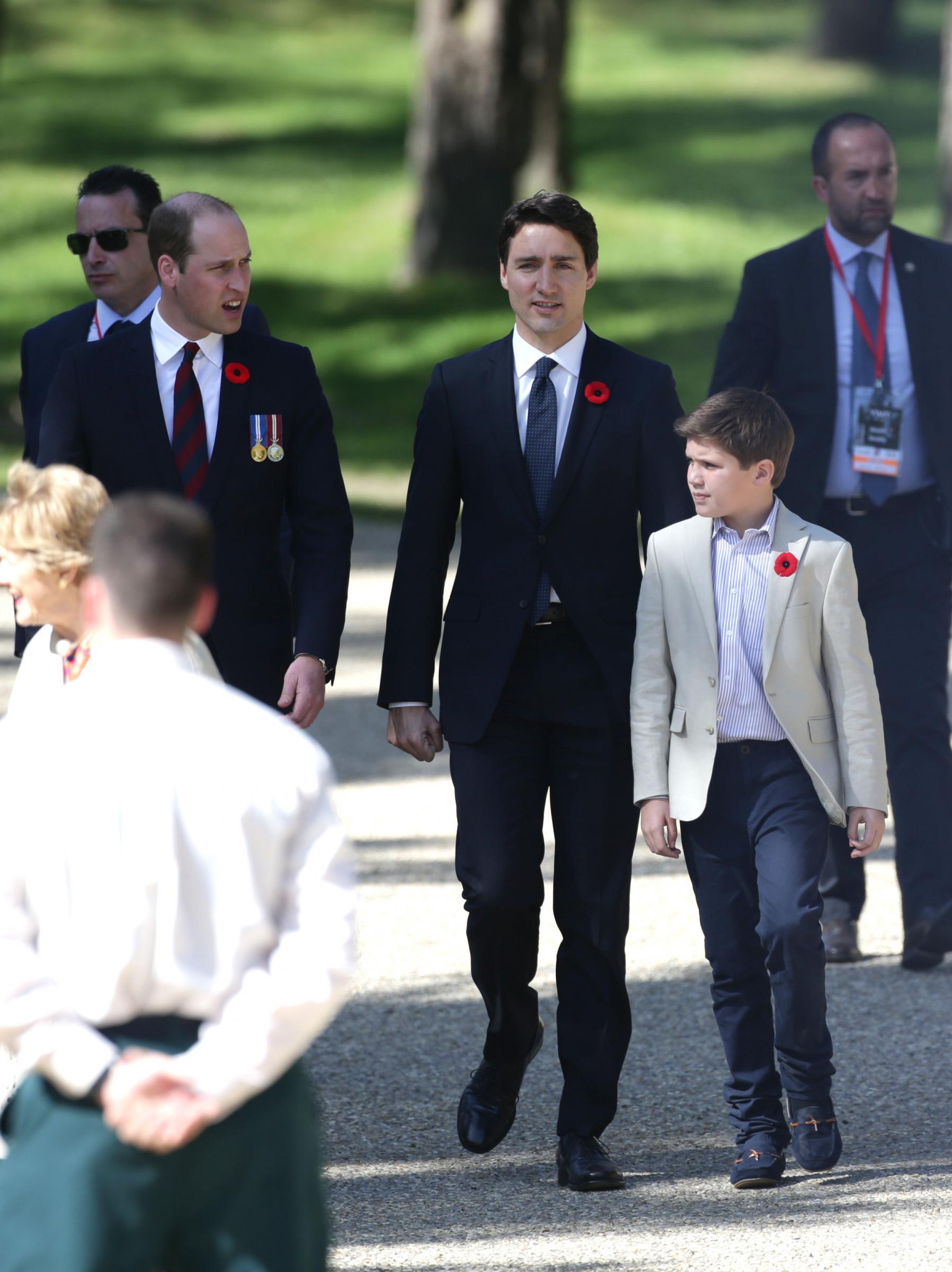Battaglia di Vimy Ridge: omaggio ai soldati caduti Trudeau e figlio Xavier