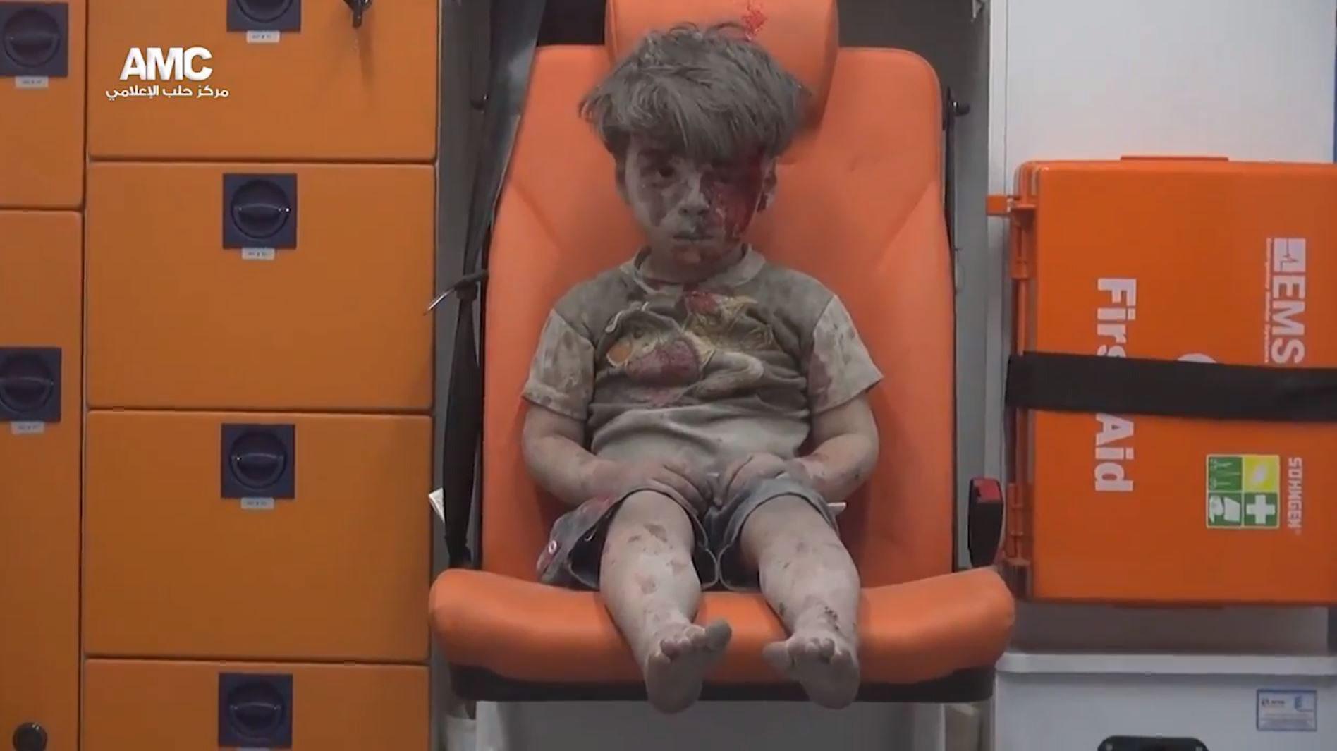 Siria: nuove foto di Omran, il bambino simbolo di Aleppo