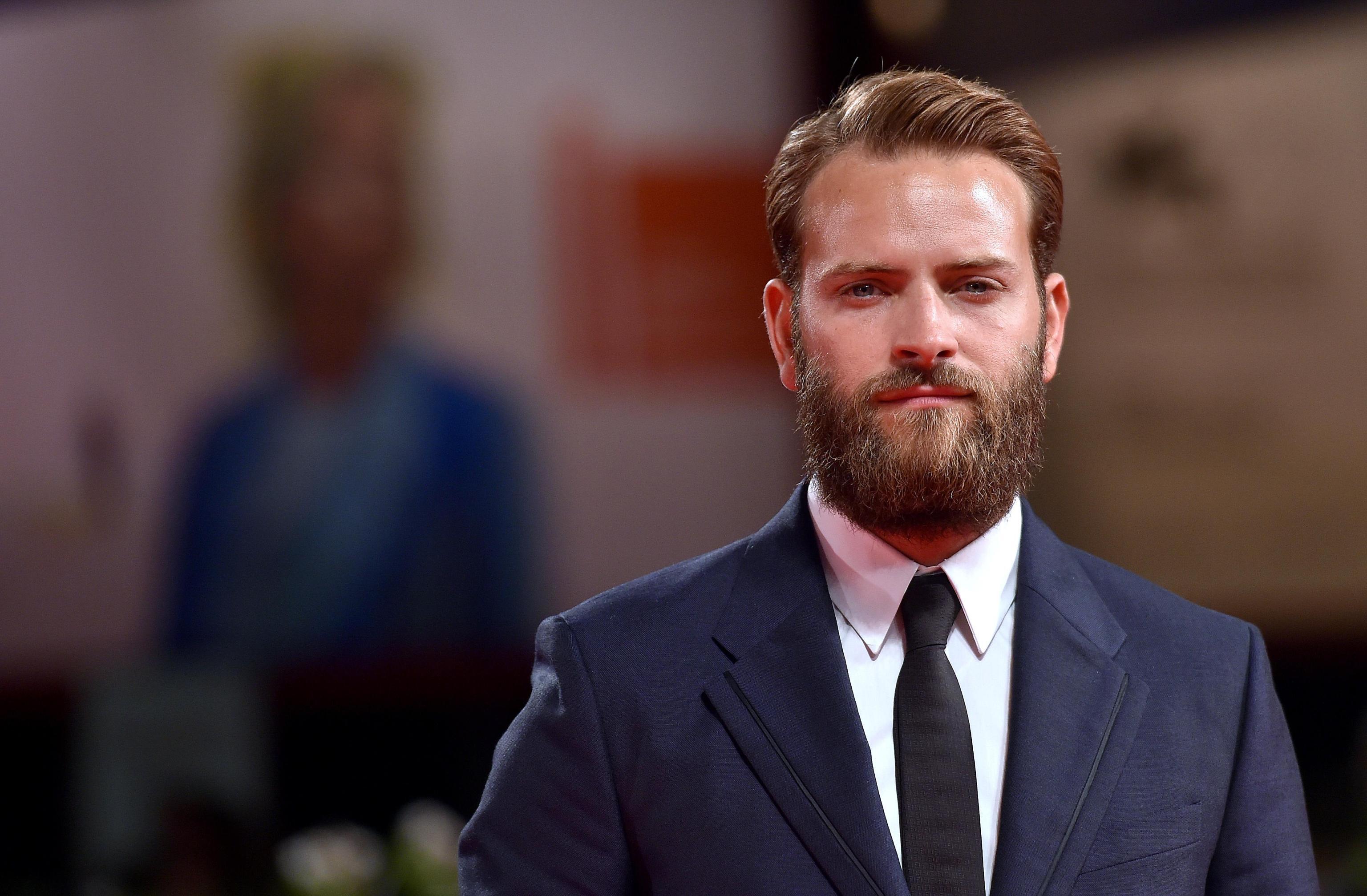 Festival del cinema di Venezia 2017, Alessandro Borghi: chi è il padrino della kermesse?