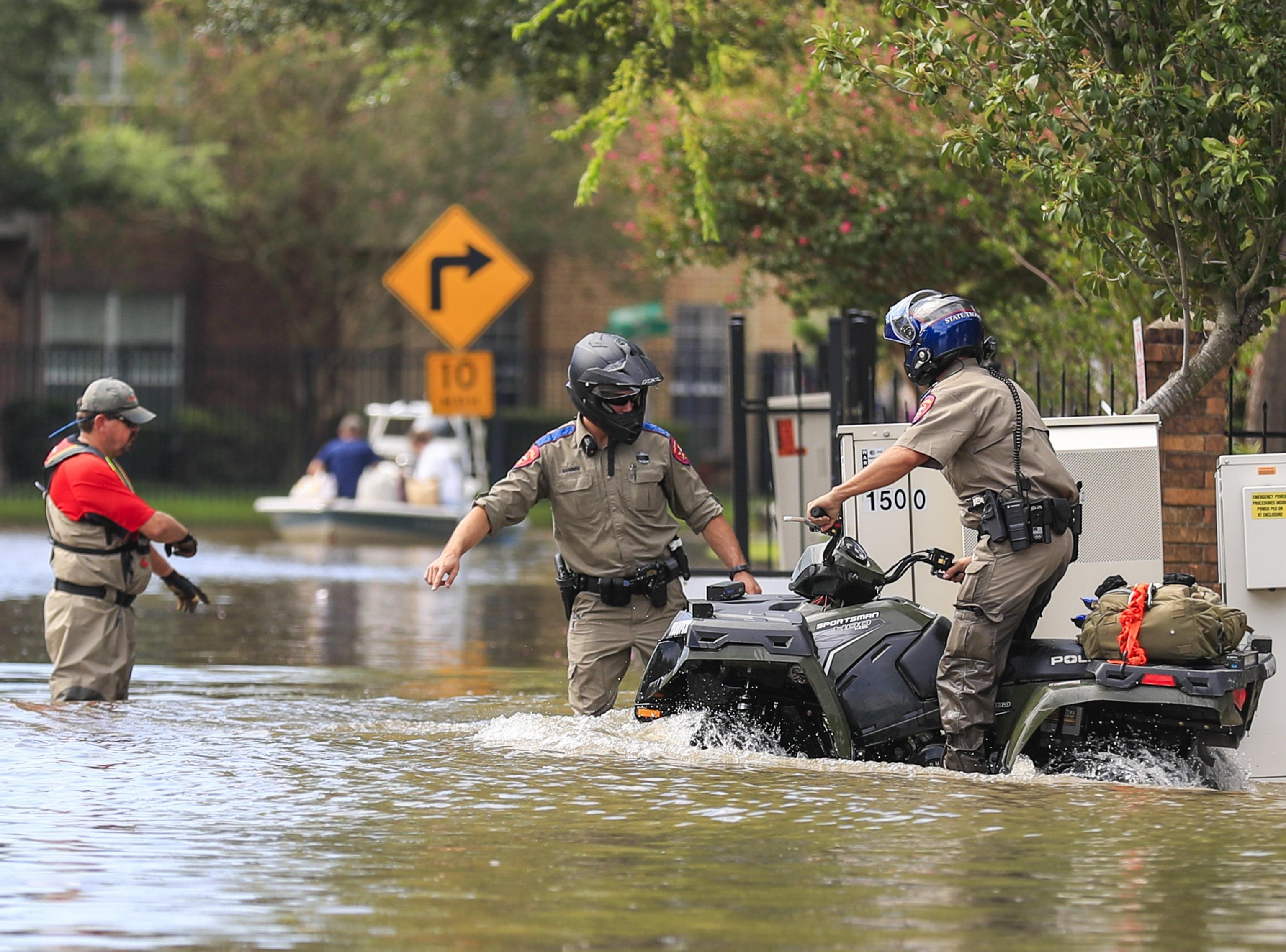 Harvey, l'uragano in Texas continua a fare vittime: morta donna per salvare la figlia di 3 anni