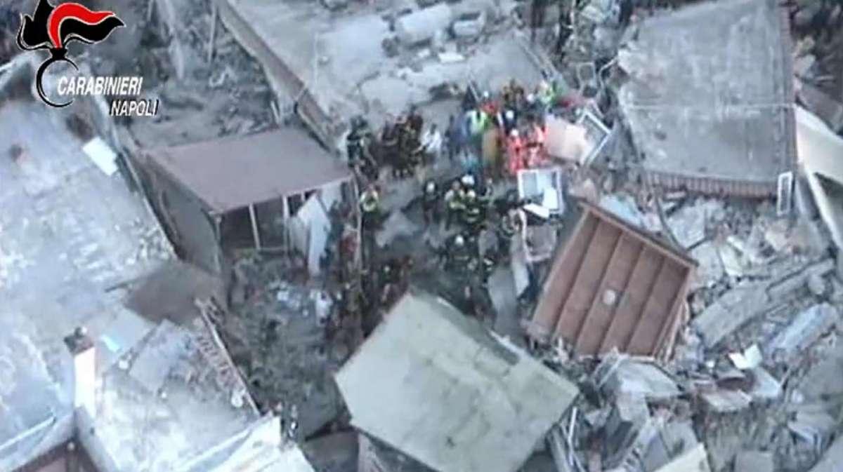 Terremoto a Ischia: scossa di magnitudo 4 provoca due vittime, danni e crolli. Estratti vivi sotto le macerie tre fratellini