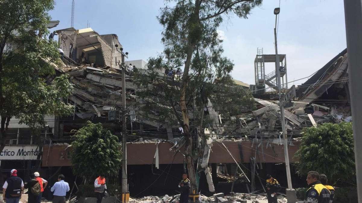 Scossa di terremoto 7,1 in Messico: centinaia di morti sotto i 40 edifici crollati
