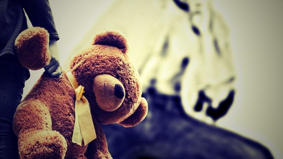 Argentina, stuprata dal padre per 22 anni: 8 figli nati dagli abusi