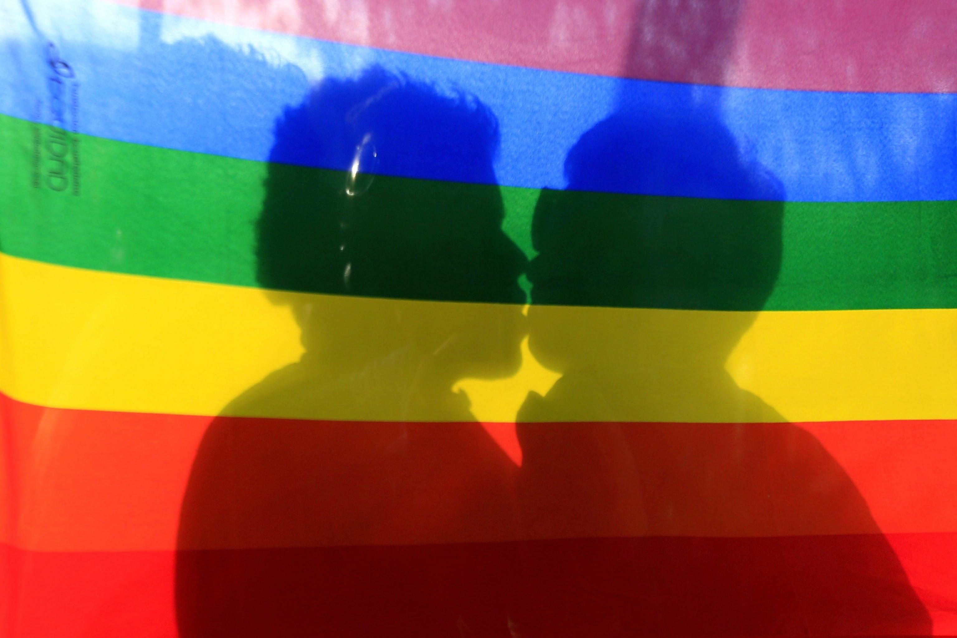 18enne cacciato di casa perché omosessuale: percepirà l'assegno di mantenimento dai genitori