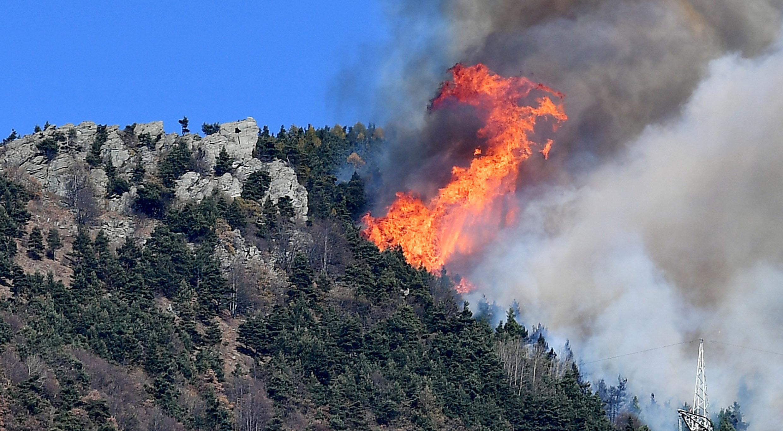 Incendi:emergenza Val Susa,vigili fuoco bloccati nella notte