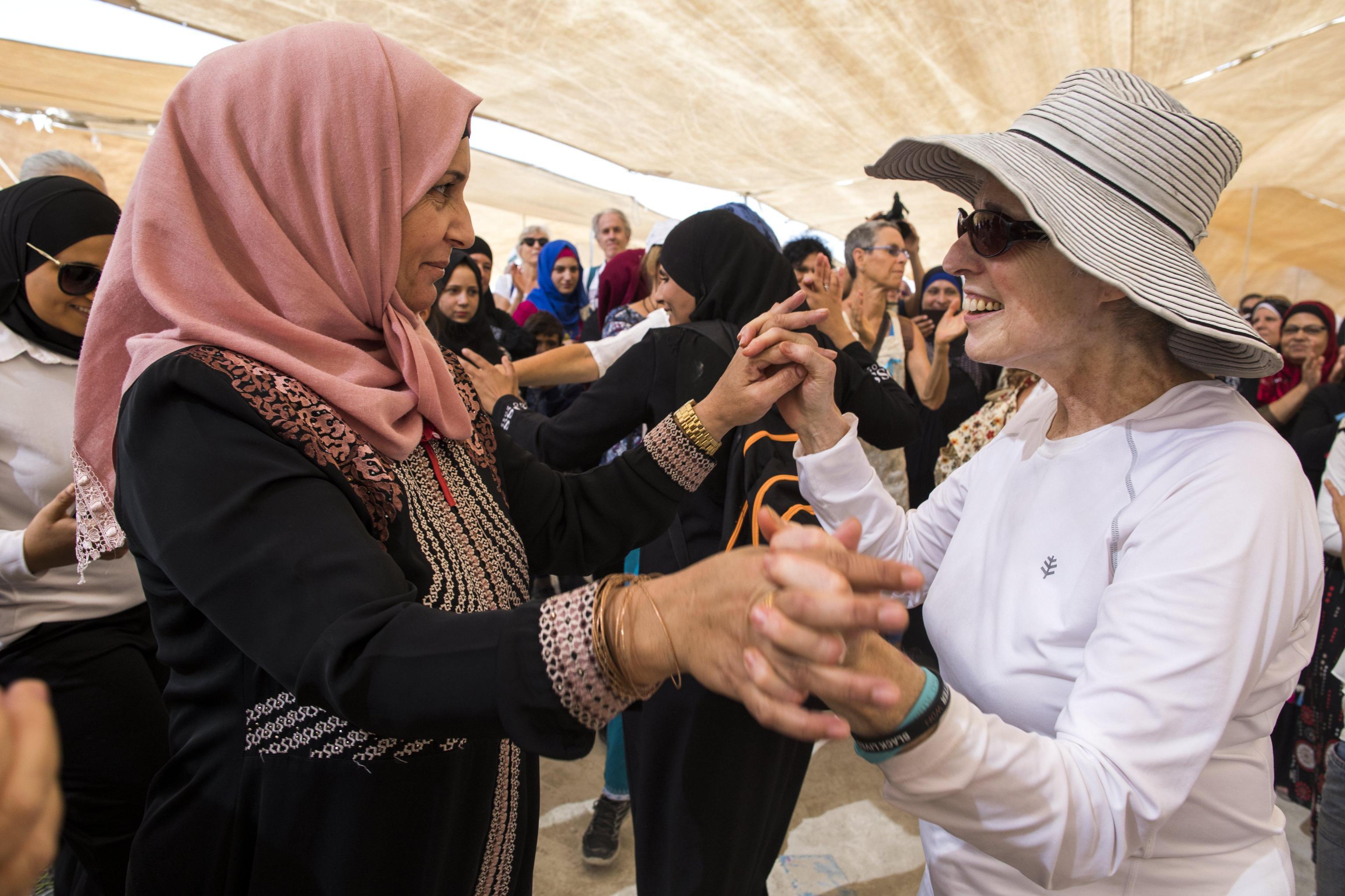 Pace in Medioriente: migliaia di donne in marcia per chiedere accordi