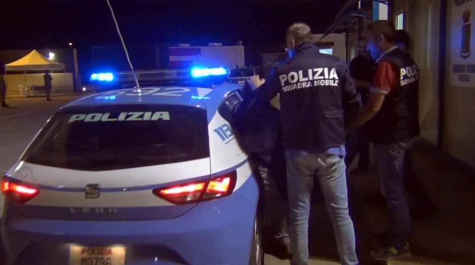 Ravenna, stuprata e filmata: due arresti
