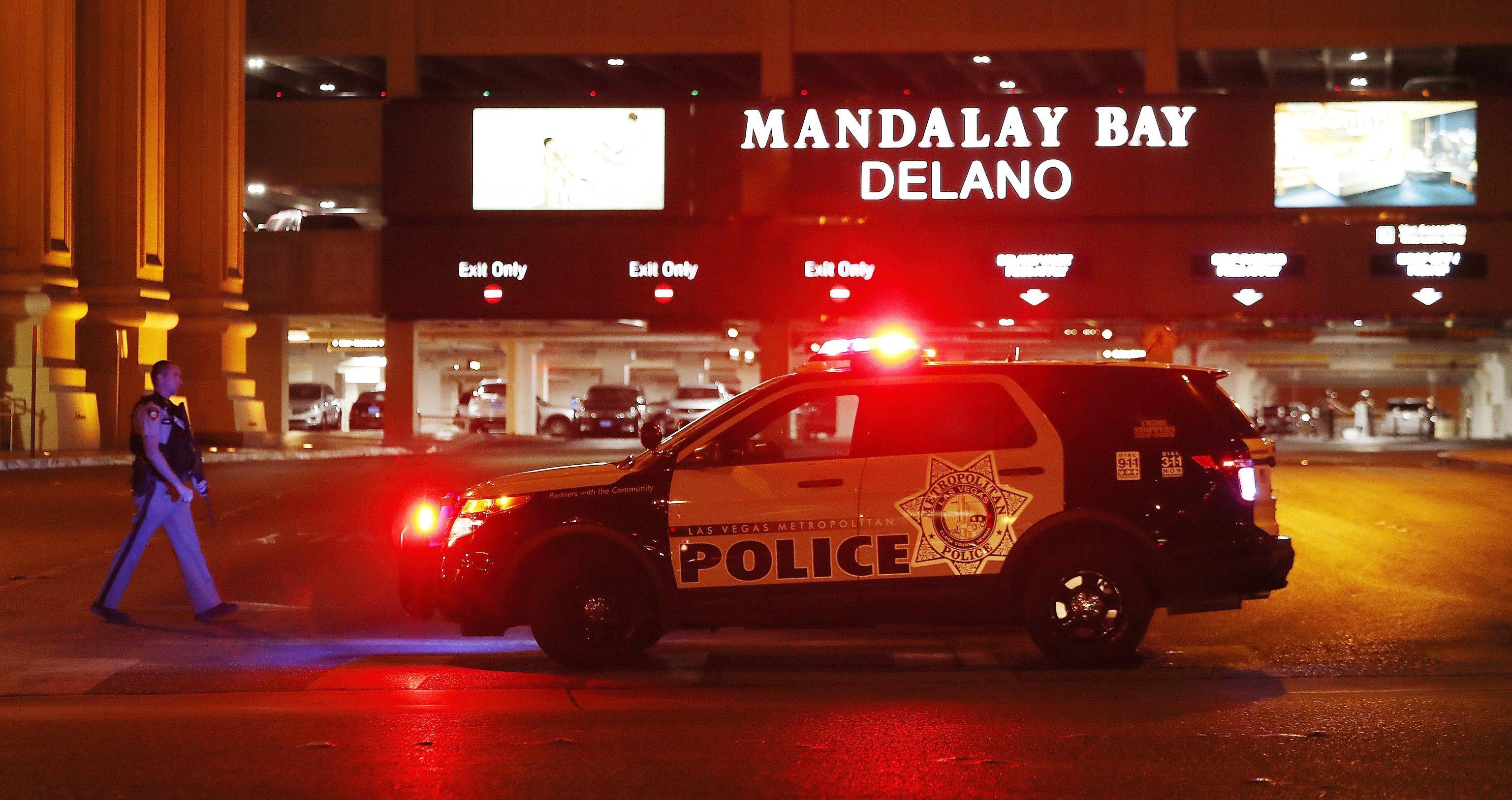 Las Vegas: spari sulla folla durante un festival, almeno 50 morti e centinaia di feriti