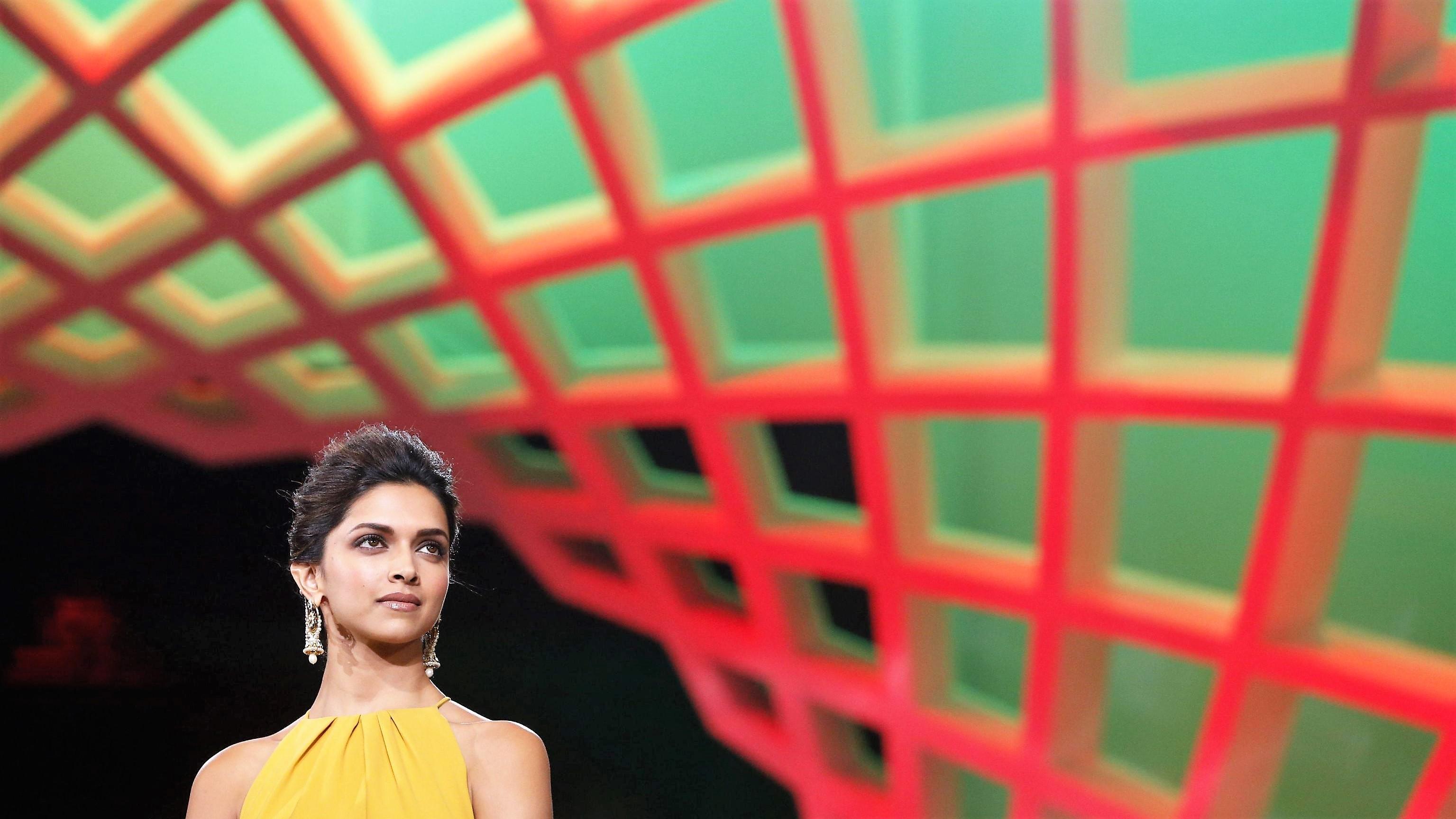 India, offerte 10 milioni di rupie per bruciare viva la protagonista di un film