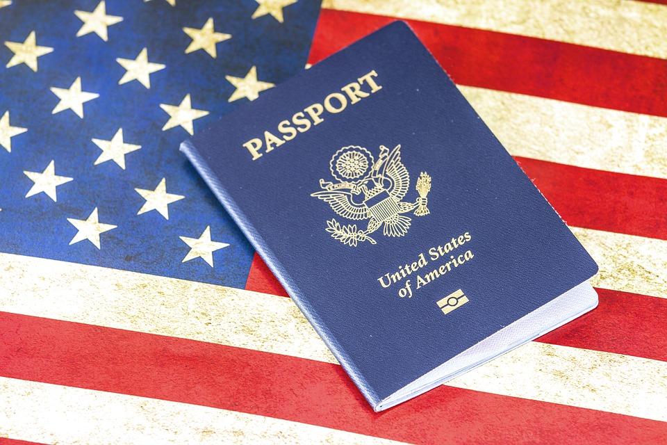 """Usa: i pedofili avranno un """"bollino"""" di riconoscimento sul passaporto"""