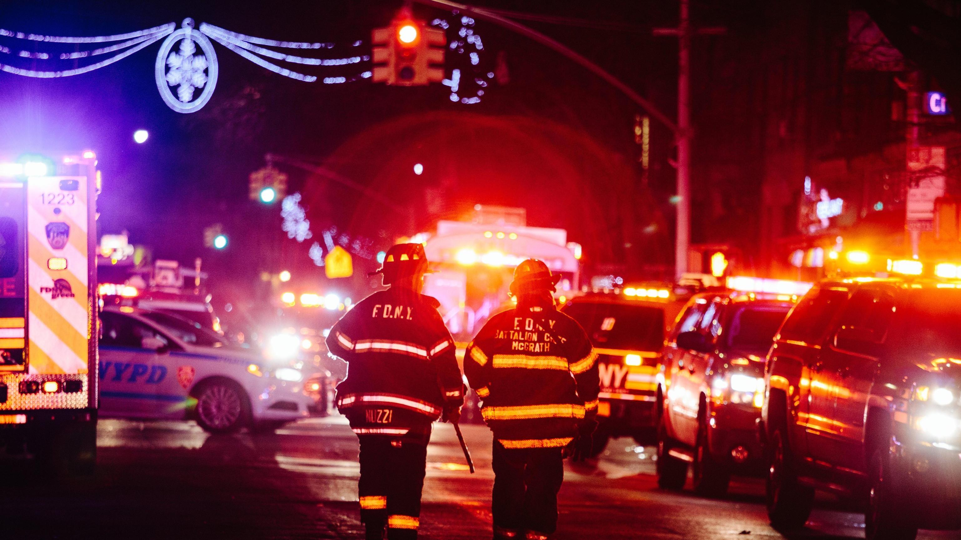 New York, incendio nel Bronx: almeno 12 vittime tra cui un bambino